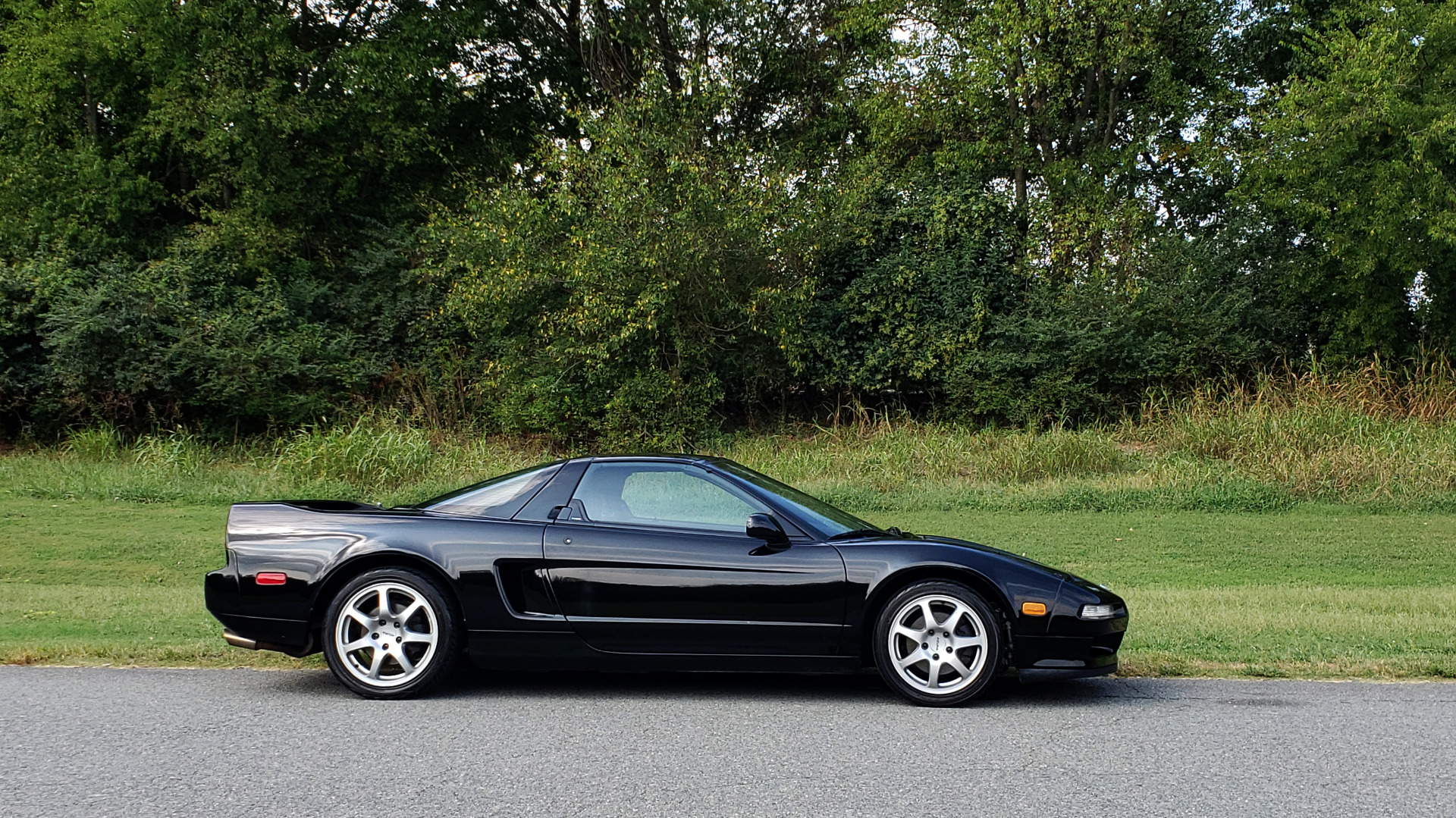 Used 1995 Acura NSX OPEN TOP / 5-SPD MAN / LOW MILES / SUPER CLEAN for sale Sold at Formula Imports in Charlotte NC 28227 30