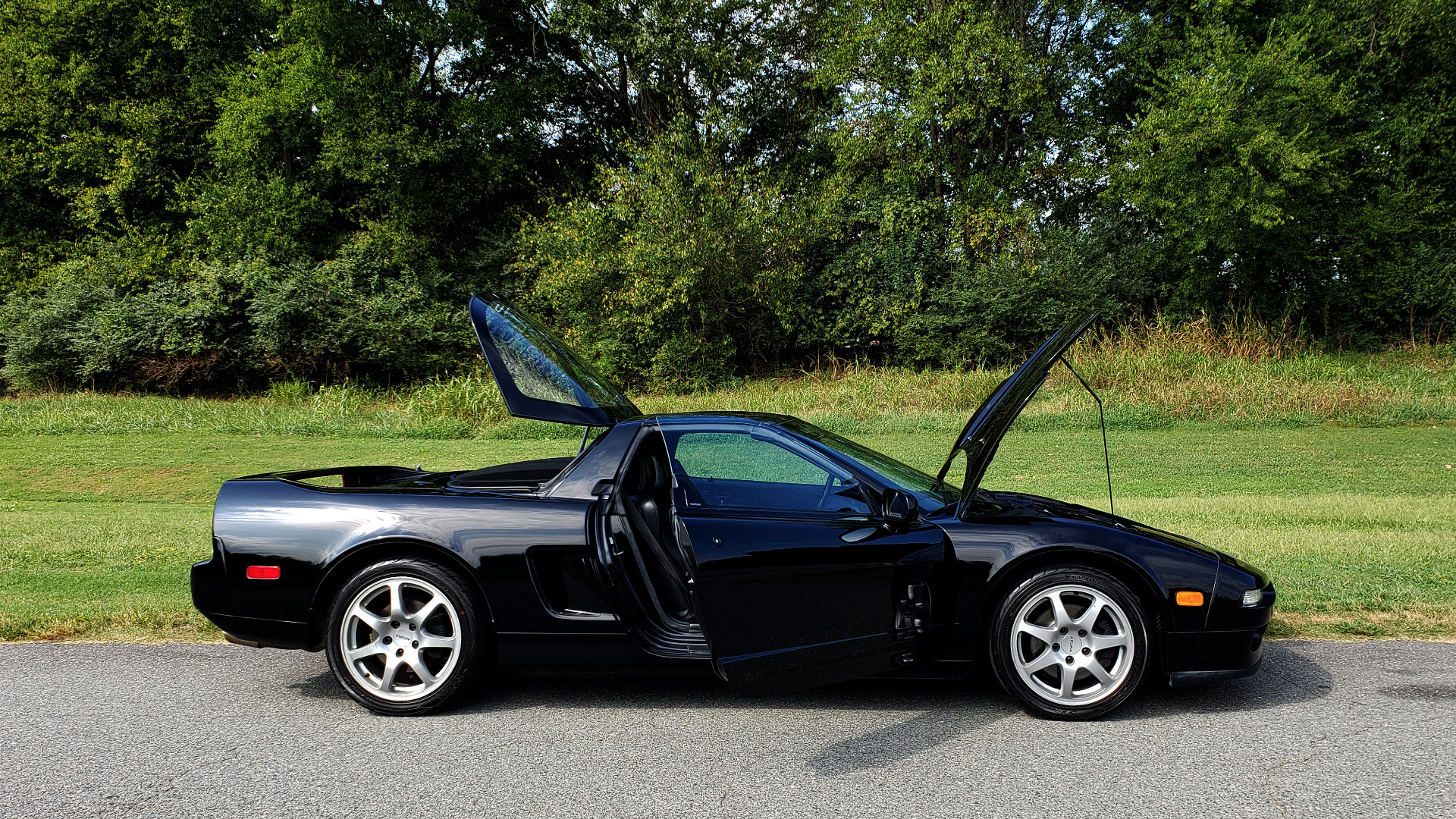 Used 1995 Acura NSX OPEN TOP / 5-SPD MAN / LOW MILES / SUPER CLEAN for sale Sold at Formula Imports in Charlotte NC 28227 37