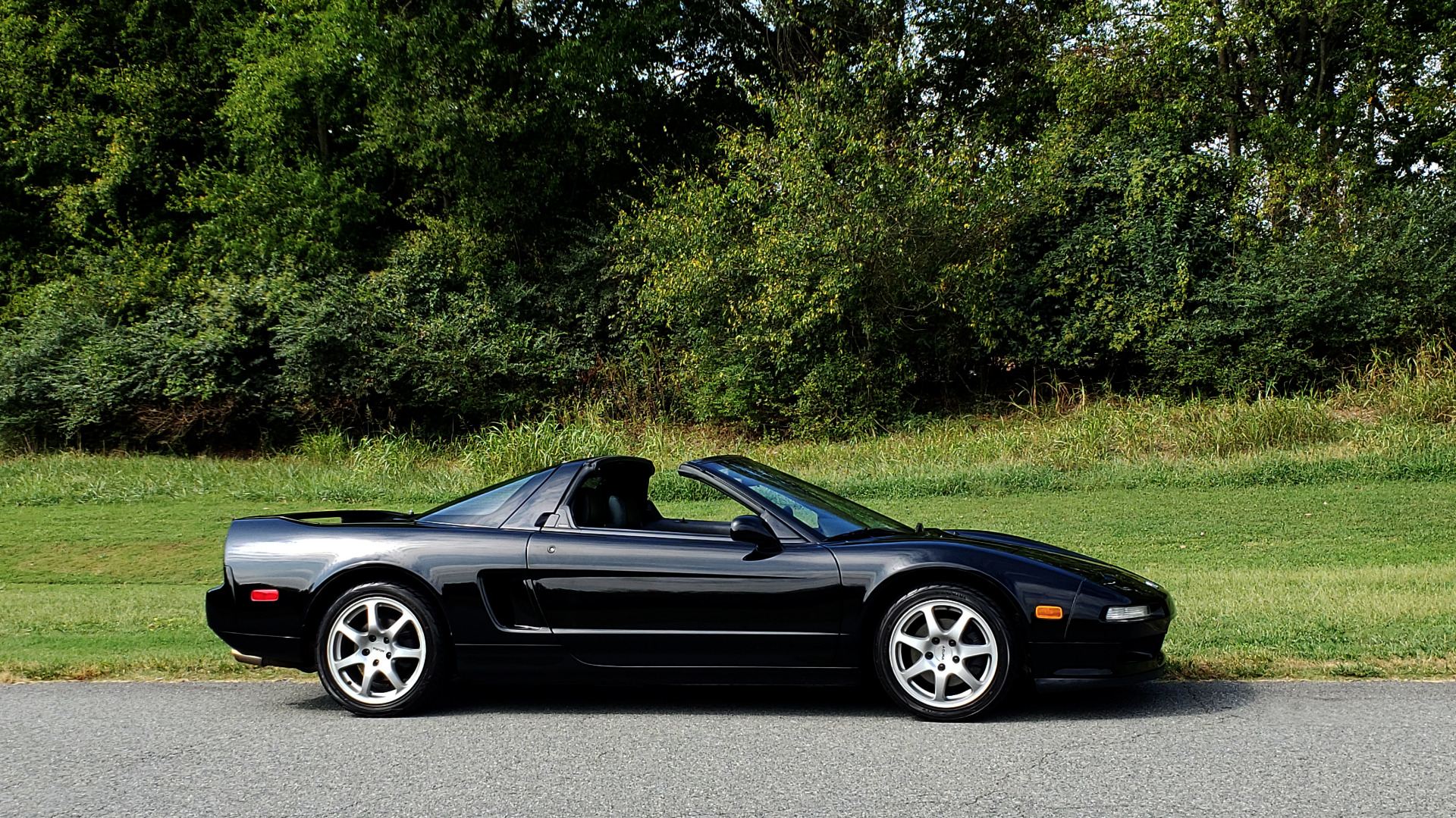 Used 1995 Acura NSX OPEN TOP / 5-SPD MAN / LOW MILES / SUPER CLEAN for sale Sold at Formula Imports in Charlotte NC 28227 45