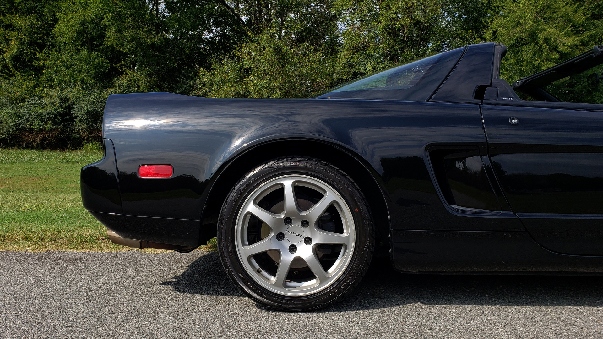 Used 1995 Acura NSX OPEN TOP / 5-SPD MAN / LOW MILES / SUPER CLEAN for sale Sold at Formula Imports in Charlotte NC 28227 57
