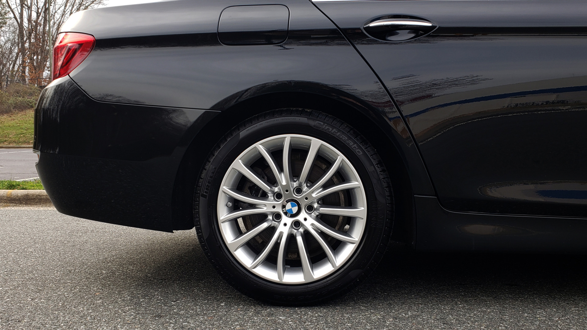 Used 2016 BMW 5 SERIES 528i XDRIVE / PREM PKG / DRVR ASST PLUS / LUXURY / COLD WTHR for sale Sold at Formula Imports in Charlotte NC 28227 12