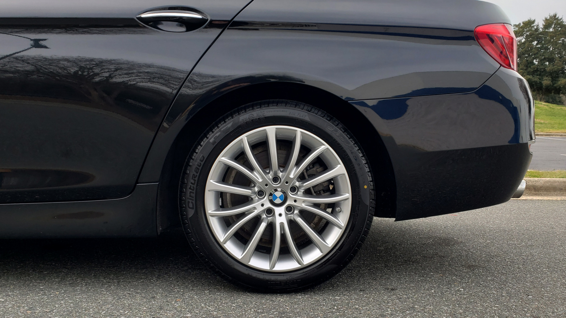 Used 2016 BMW 5 SERIES 528i XDRIVE / PREM PKG / DRVR ASST PLUS / LUXURY / COLD WTHR for sale Sold at Formula Imports in Charlotte NC 28227 7