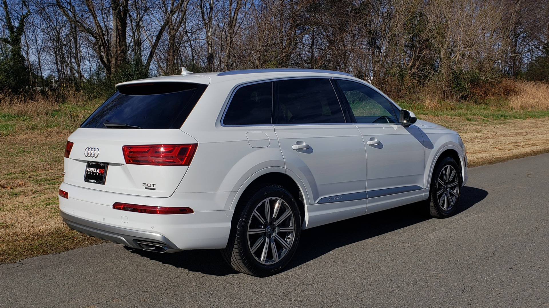 Used 2017 Audi Q7 PRESTIGE / DRVR ASST / CLD WTHR / TOW PKG / BOSE for sale Sold at Formula Imports in Charlotte NC 28227 13