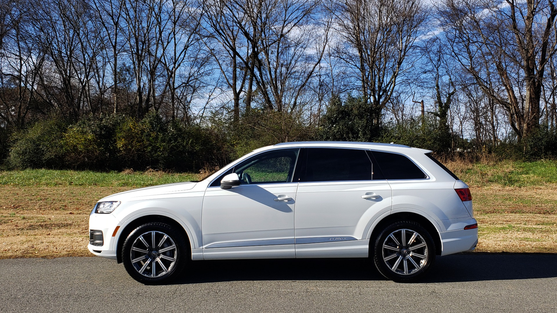 Used 2017 Audi Q7 PRESTIGE / DRVR ASST / CLD WTHR / TOW PKG / BOSE for sale Sold at Formula Imports in Charlotte NC 28227 2
