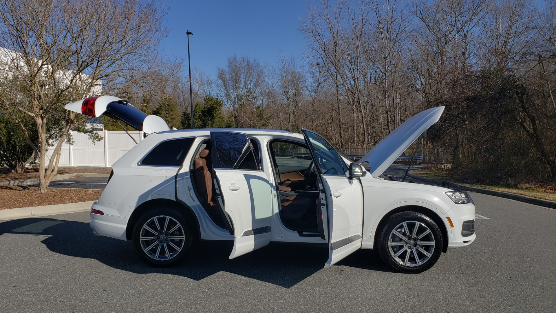 Used 2017 Audi Q7 PRESTIGE / DRVR ASST / CLD WTHR / TOW PKG / BOSE for sale Sold at Formula Imports in Charlotte NC 28227 40