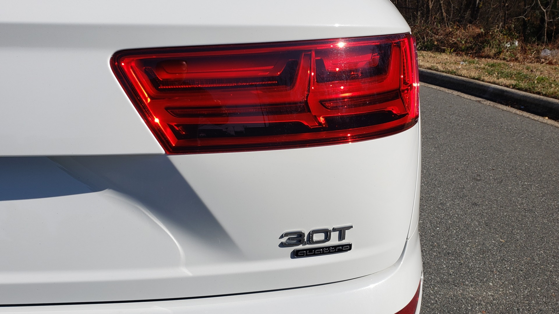 Used 2017 Audi Q7 PRESTIGE / DRVR ASST / CLD WTHR / TOW PKG / BOSE for sale Sold at Formula Imports in Charlotte NC 28227 55