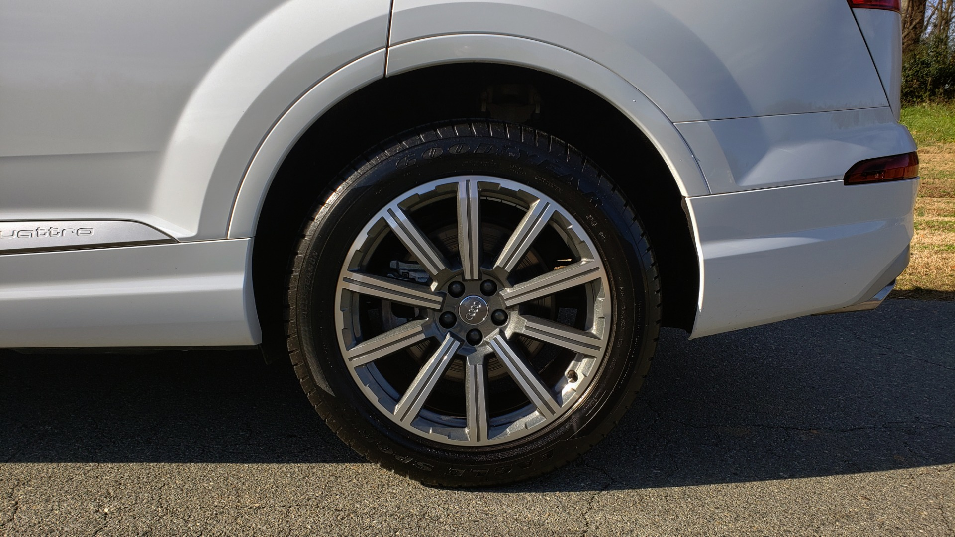 Used 2017 Audi Q7 PRESTIGE / DRVR ASST / CLD WTHR / TOW PKG / BOSE for sale Sold at Formula Imports in Charlotte NC 28227 74