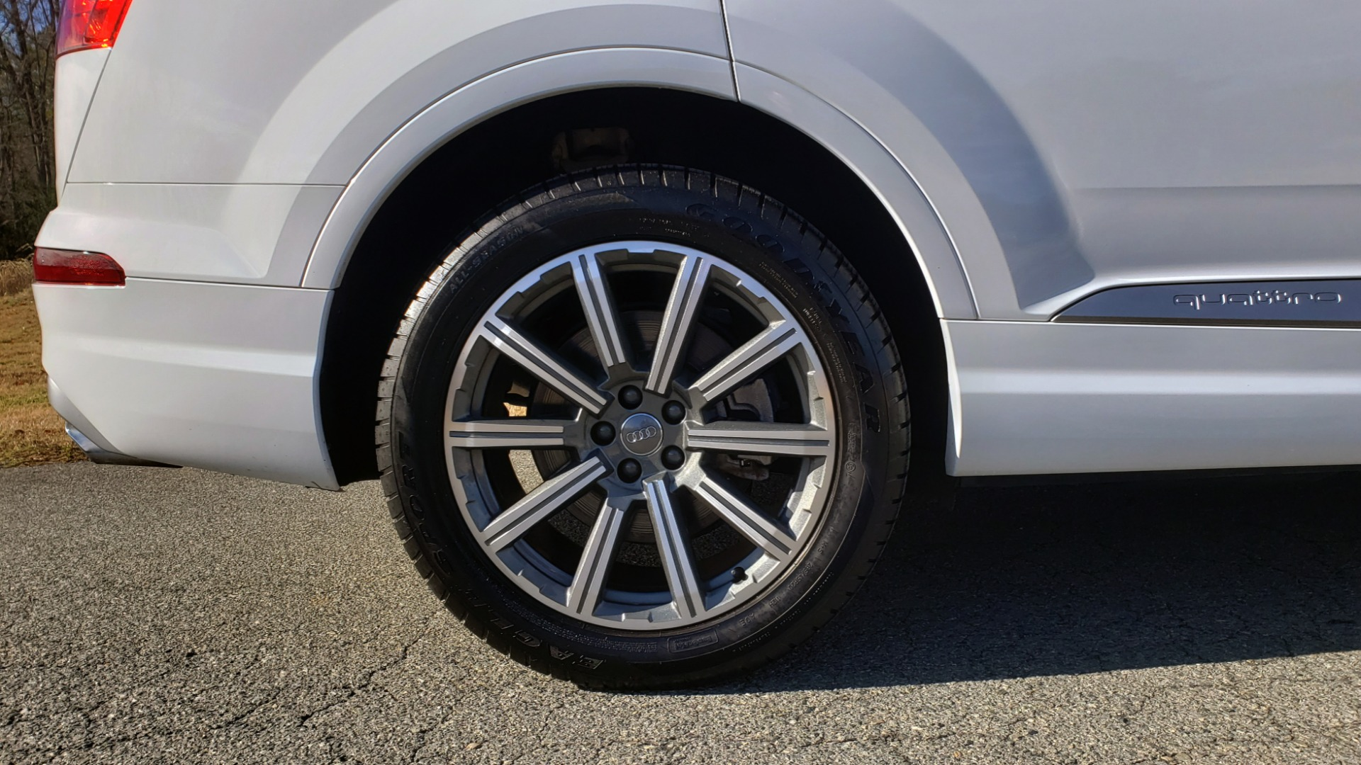 Used 2017 Audi Q7 PRESTIGE / DRVR ASST / CLD WTHR / TOW PKG / BOSE for sale Sold at Formula Imports in Charlotte NC 28227 75