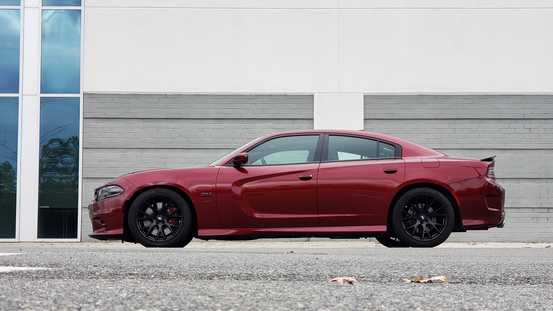 Used 2018 Dodge CHARGER R/T SCAT PACK / 6.4L 485HP / 8-SPD AUTO / HEATED / REARVIEW for sale Sold at Formula Imports in Charlotte NC 28227 3