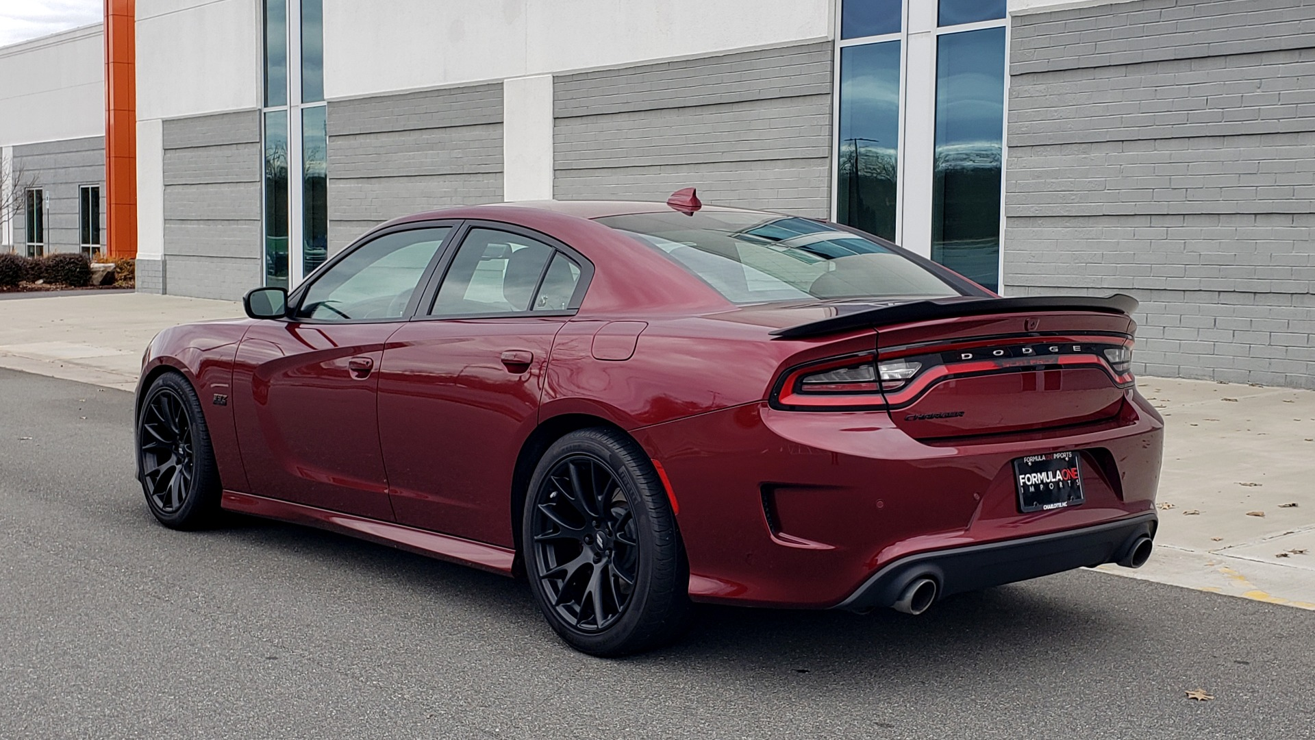 Used 2018 Dodge CHARGER R/T SCAT PACK / 6.4L 485HP / 8-SPD AUTO / HEATED / REARVIEW for sale Sold at Formula Imports in Charlotte NC 28227 4
