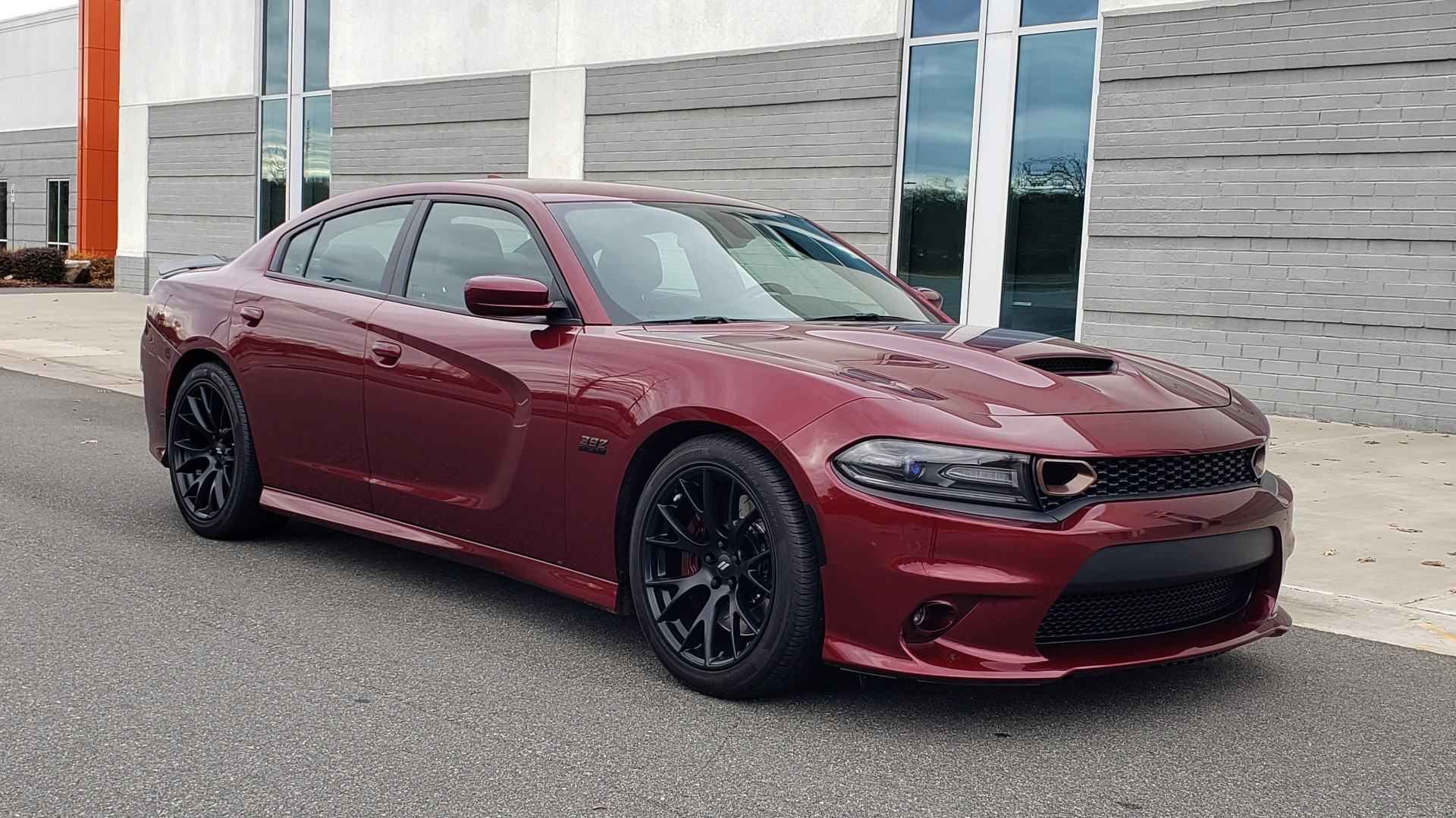 Used 2018 Dodge CHARGER R/T SCAT PACK / 6.4L 485HP / 8-SPD AUTO / HEATED / REARVIEW for sale Sold at Formula Imports in Charlotte NC 28227 5