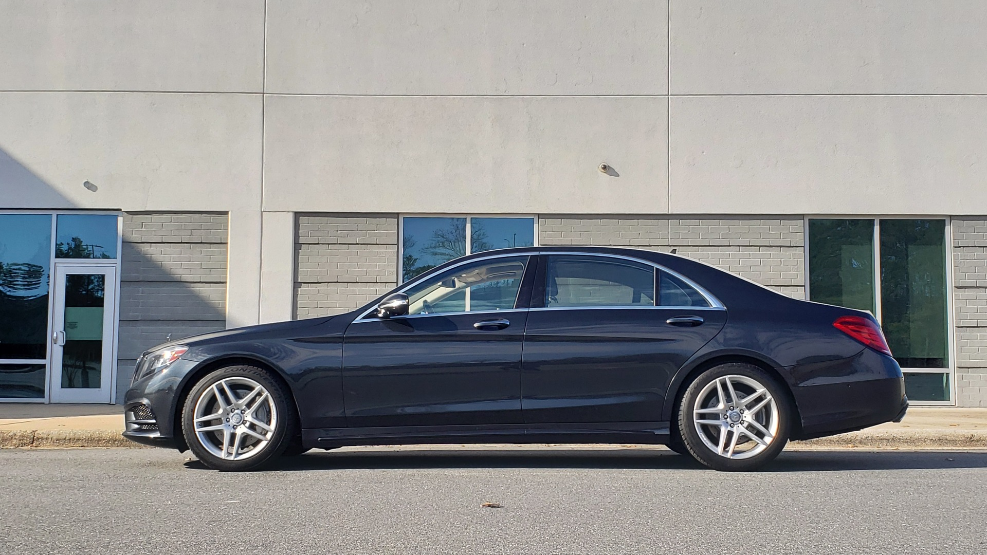 Used 2015 Mercedes-Benz S-CLASS S 550 PREMIUM / SPORT / WARMTH&COMFORT / DRVR ASST / SRND VIEW for sale Sold at Formula Imports in Charlotte NC 28227 2