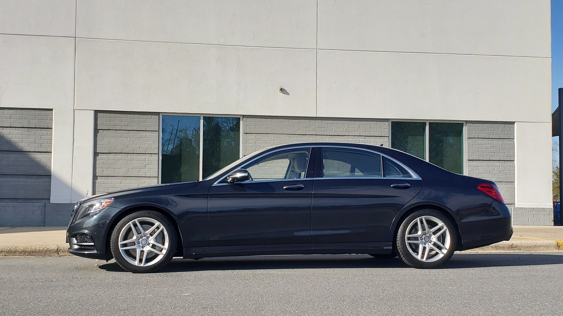 Used 2015 Mercedes-Benz S-CLASS S 550 PREMIUM / SPORT / WARMTH&COMFORT / DRVR ASST / SRND VIEW for sale Sold at Formula Imports in Charlotte NC 28227 3