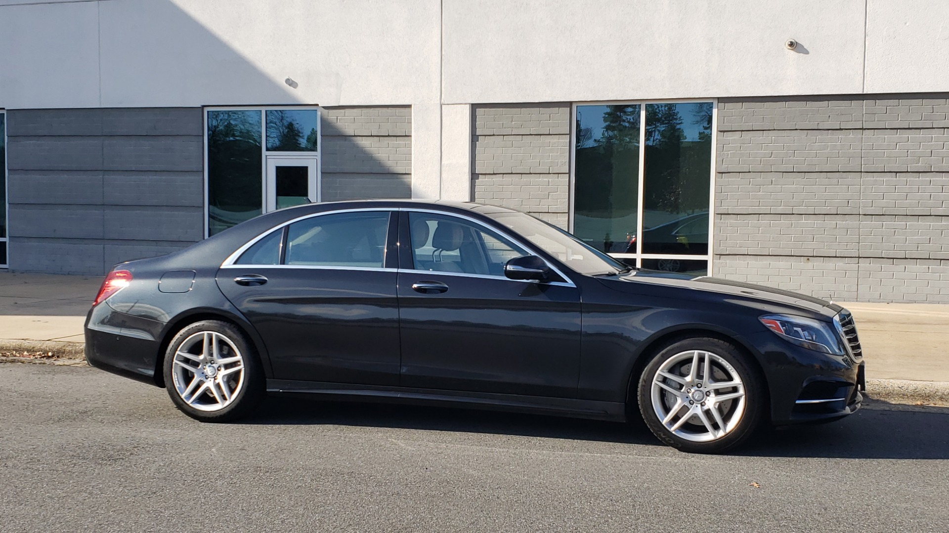 Used 2015 Mercedes-Benz S-CLASS S 550 PREMIUM / SPORT / WARMTH&COMFORT / DRVR ASST / SRND VIEW for sale Sold at Formula Imports in Charlotte NC 28227 6