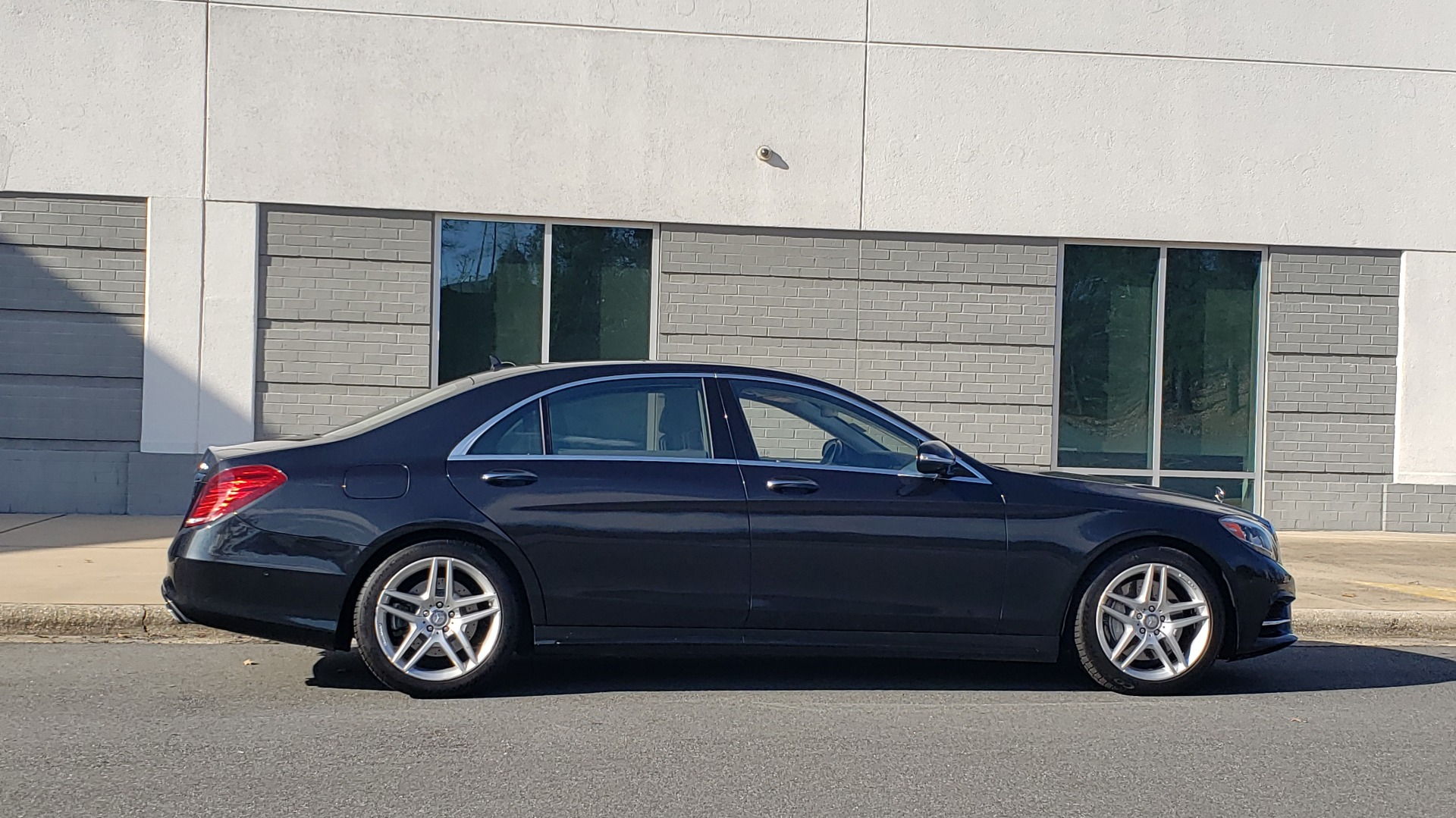 Used 2015 Mercedes-Benz S-CLASS S 550 PREMIUM / SPORT / WARMTH&COMFORT / DRVR ASST / SRND VIEW for sale Sold at Formula Imports in Charlotte NC 28227 7
