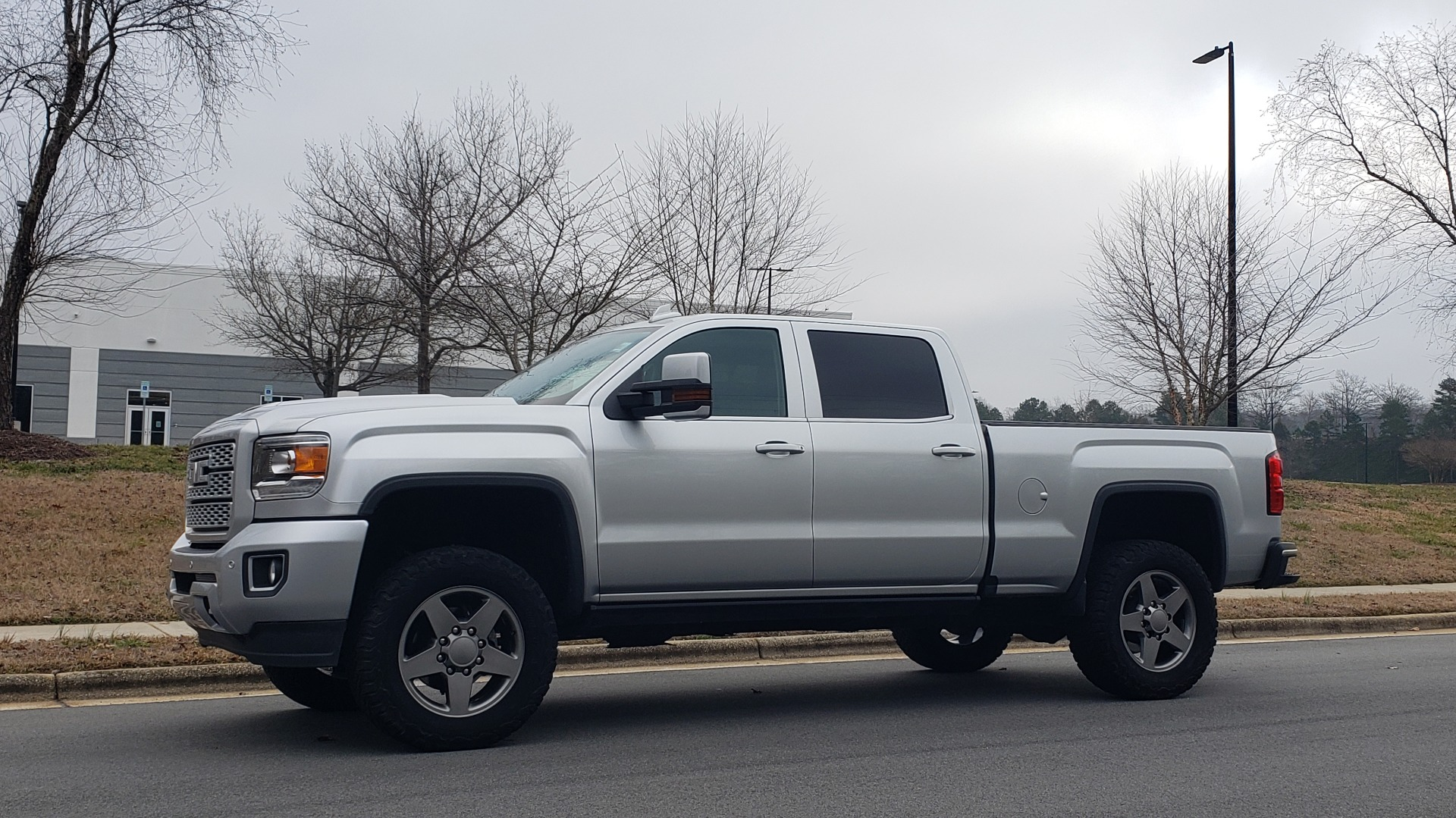 Used 2018 GMC SIERRA 2500HD DENALI 4X4 CREWCAB / 6.6L DURAMAX PLUS / NAV / SUNROOF / REARVIEW for sale $61,999 at Formula Imports in Charlotte NC 28227 2