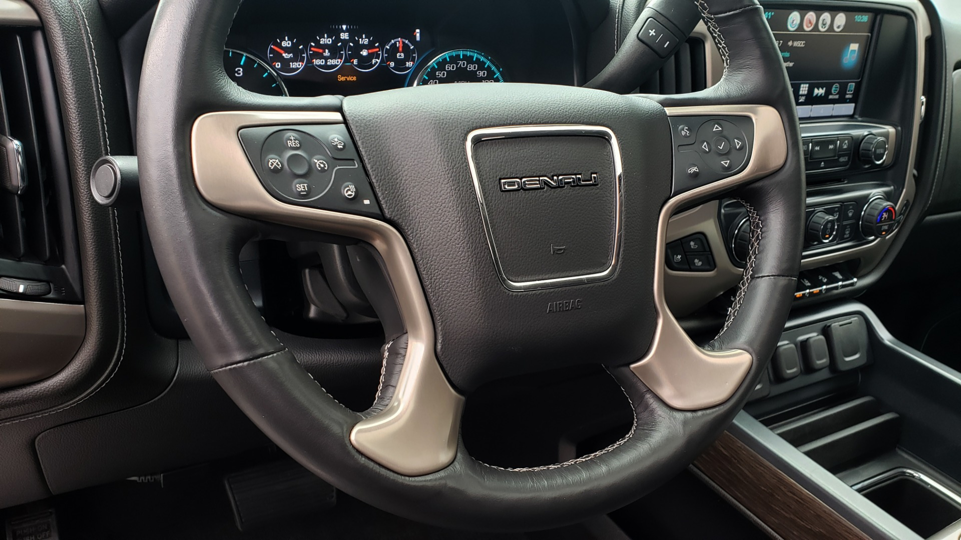 Used 2018 GMC SIERRA 2500HD DENALI 4X4 CREWCAB / 6.6L DURAMAX PLUS / NAV / SUNROOF / REARVIEW for sale $61,999 at Formula Imports in Charlotte NC 28227 41