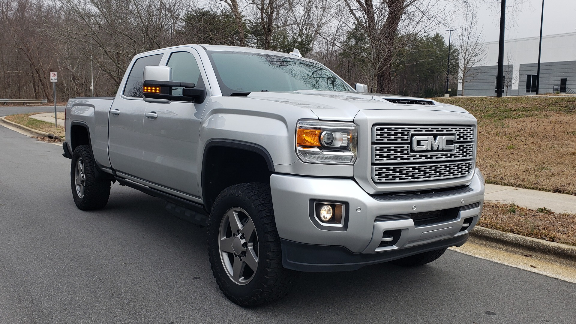 Used 2018 GMC SIERRA 2500HD DENALI 4X4 CREWCAB / 6.6L DURAMAX PLUS / NAV / SUNROOF / REARVIEW for sale $61,999 at Formula Imports in Charlotte NC 28227 5