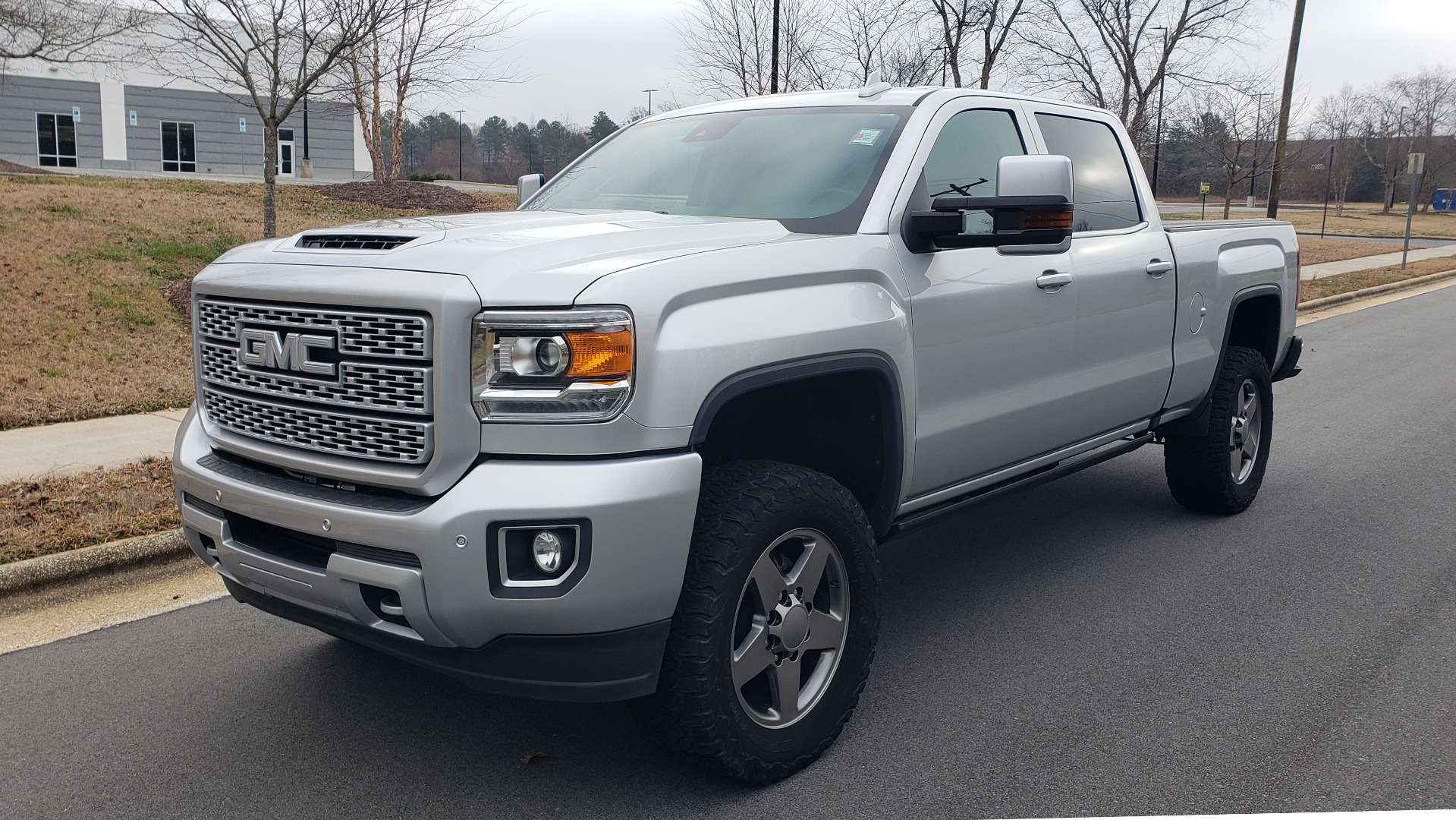 Used 2018 GMC SIERRA 2500HD DENALI 4X4 CREWCAB / 6.6L DURAMAX PLUS / NAV / SUNROOF / REARVIEW for sale $61,999 at Formula Imports in Charlotte NC 28227 1