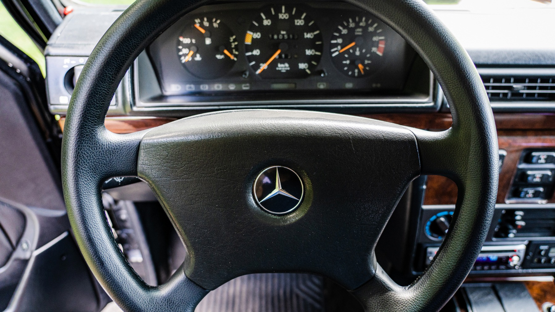 Used 1993 Mercedes-Benz 300GE 3.0L I6 / ALL-WHEEL DRIVE / 5-SPEED MANUAL for sale Sold at Formula Imports in Charlotte NC 28227 29