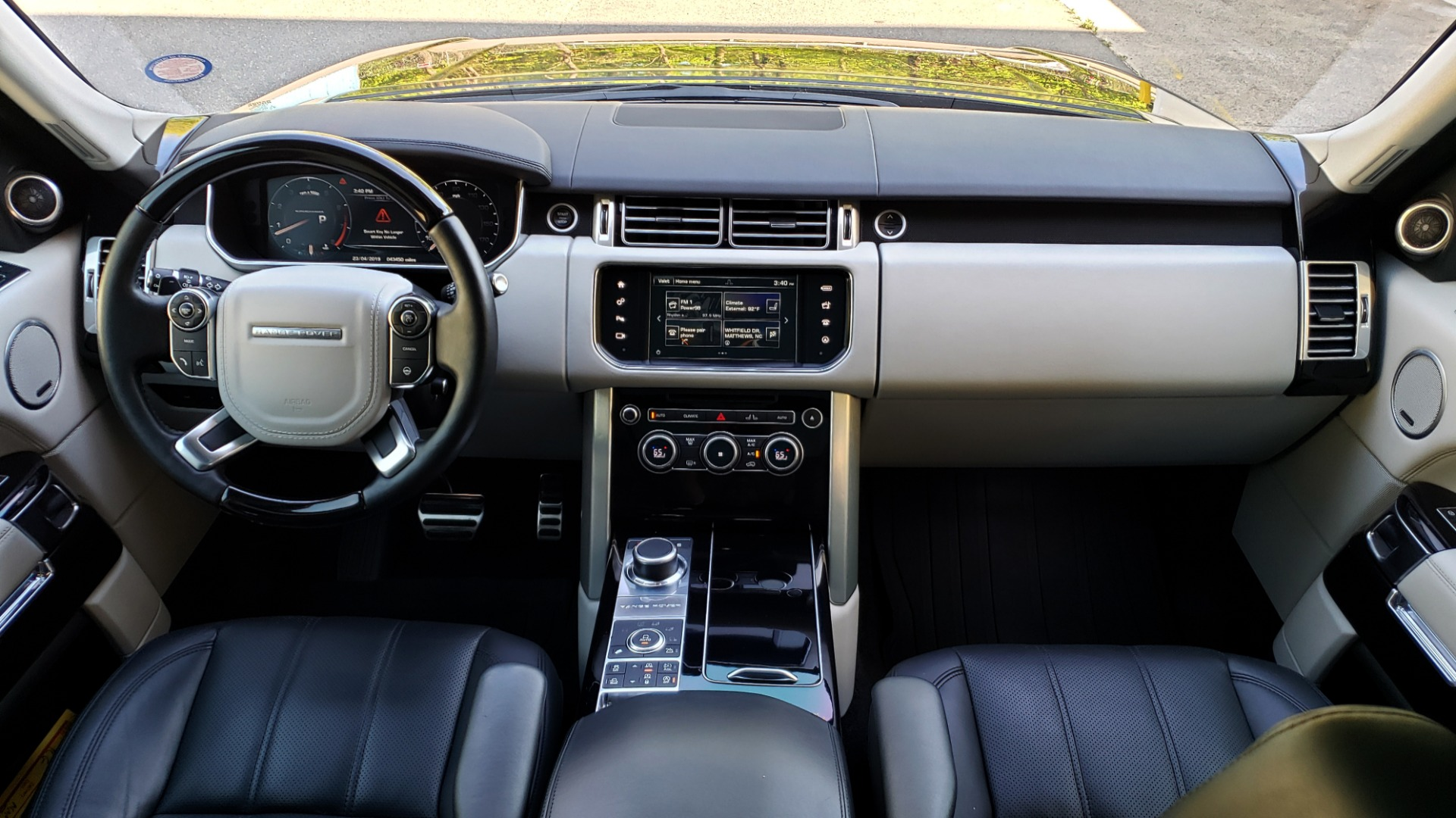 Used 2016 Land Rover RANGE ROVER SC V8 / LWB / NAV / PANO-ROOF / BURMESTER / REARVIEW for sale Sold at Formula Imports in Charlotte NC 28227 11