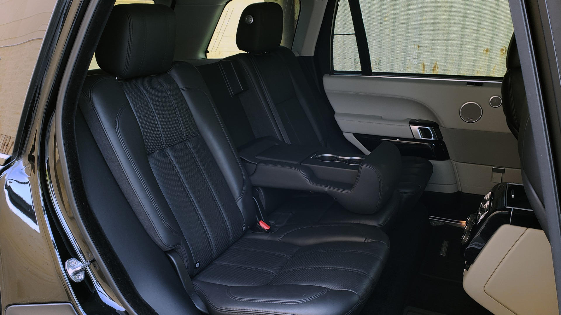 Used 2016 Land Rover RANGE ROVER SC V8 / LWB / NAV / PANO-ROOF / BURMESTER / REARVIEW for sale Sold at Formula Imports in Charlotte NC 28227 17