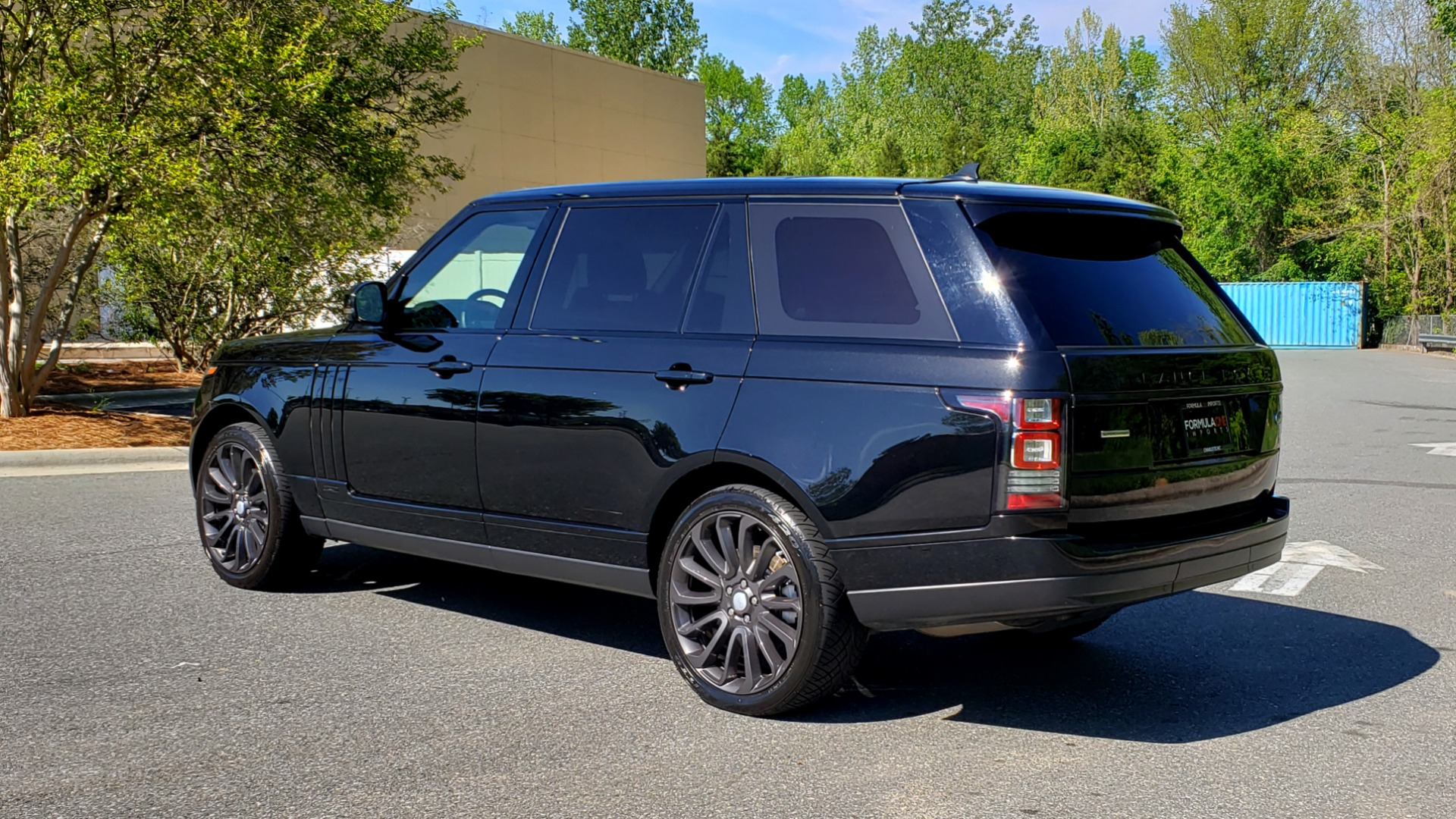 Used 2016 Land Rover RANGE ROVER SC V8 / LWB / NAV / PANO-ROOF / BURMESTER / REARVIEW for sale Sold at Formula Imports in Charlotte NC 28227 6