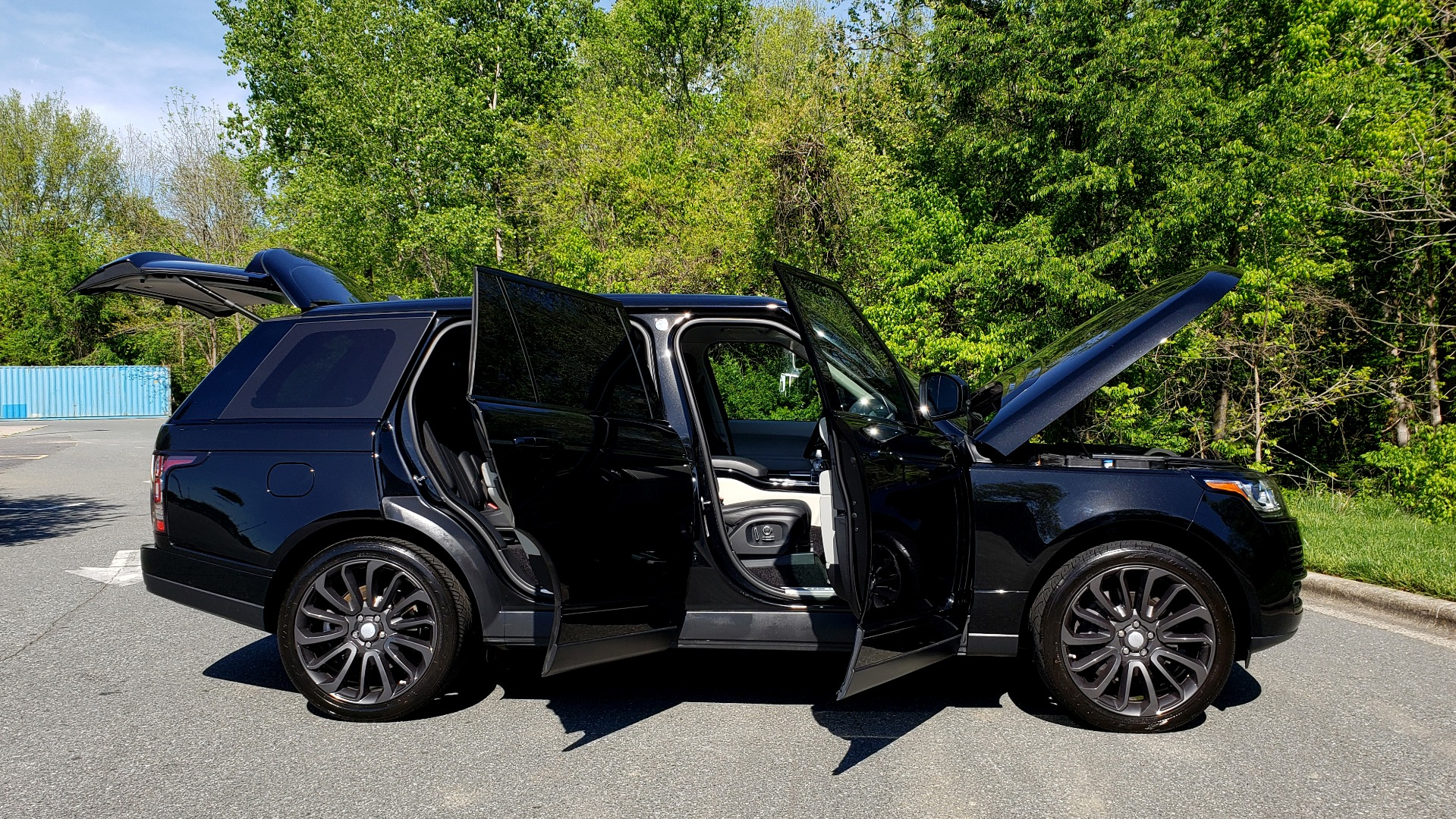 Used 2016 Land Rover RANGE ROVER SC V8 / LWB / NAV / PANO-ROOF / BURMESTER / REARVIEW for sale Sold at Formula Imports in Charlotte NC 28227 83