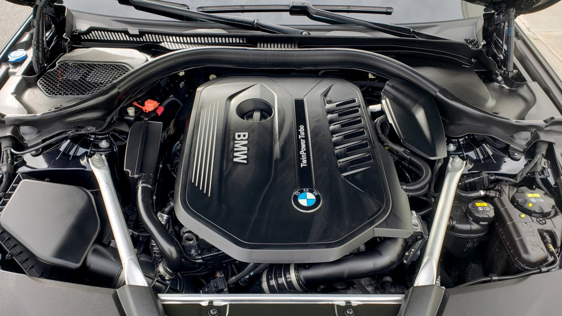 Used 2018 BMW 5 SERIES 540I XDRIVE / M-SPORT / NAV / WIFI / SUNROOF / REARVIEW for sale $36,773 at Formula Imports in Charlotte NC 28227 18
