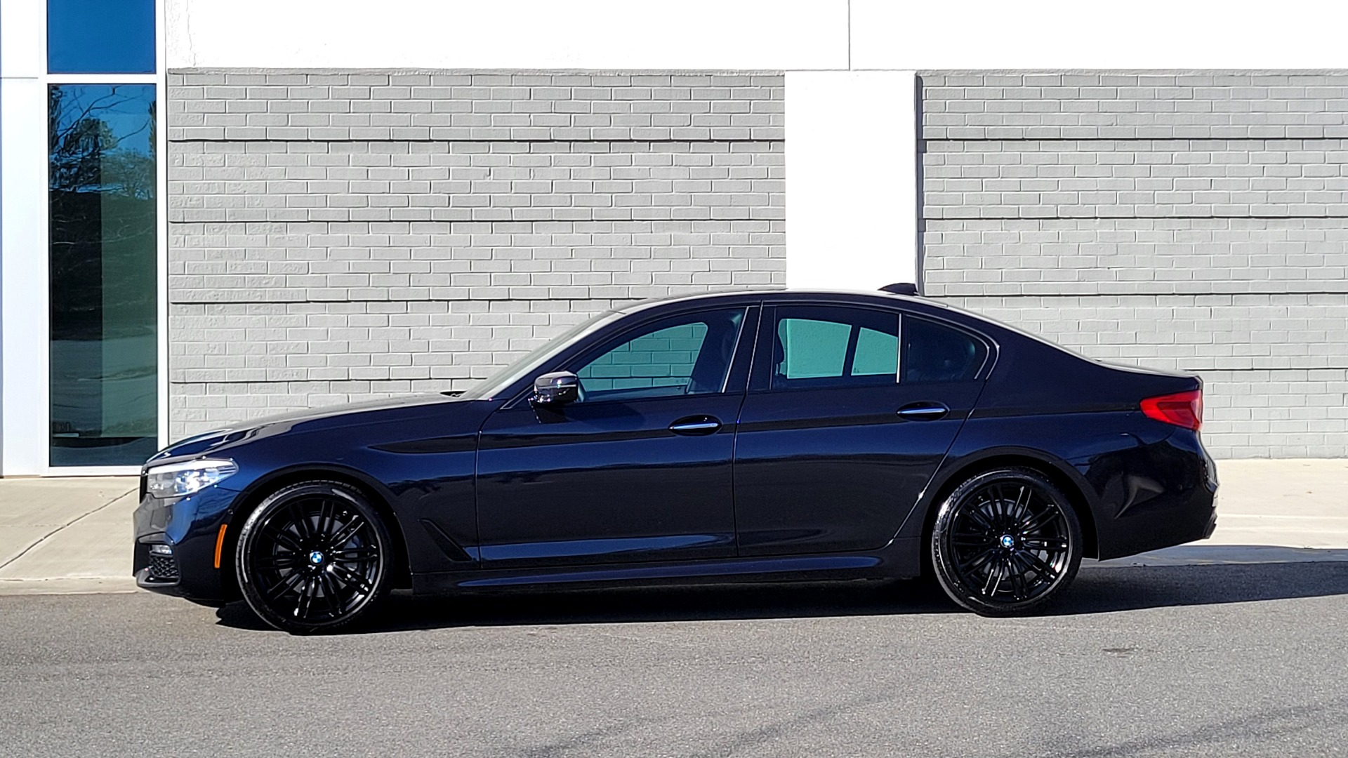 Used 2018 BMW 5 SERIES 540I XDRIVE / M-SPORT / NAV / WIFI / SUNROOF / REARVIEW for sale $36,773 at Formula Imports in Charlotte NC 28227 5