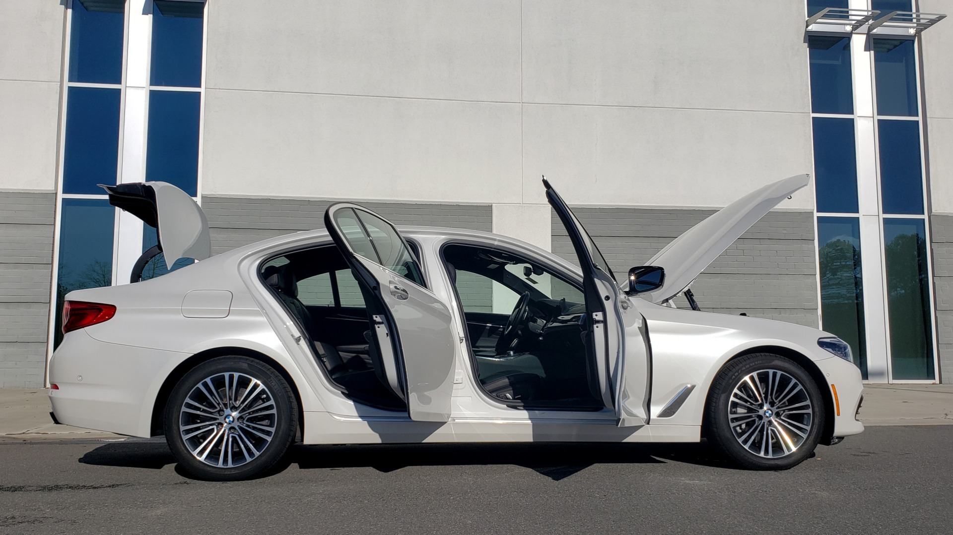 Used 2017 BMW 5 SERIES 540I XDRIVE PREMIUM / NAV / DRVR ASST / CLD WTHR / REARVIEW for sale $34,995 at Formula Imports in Charlotte NC 28227 10