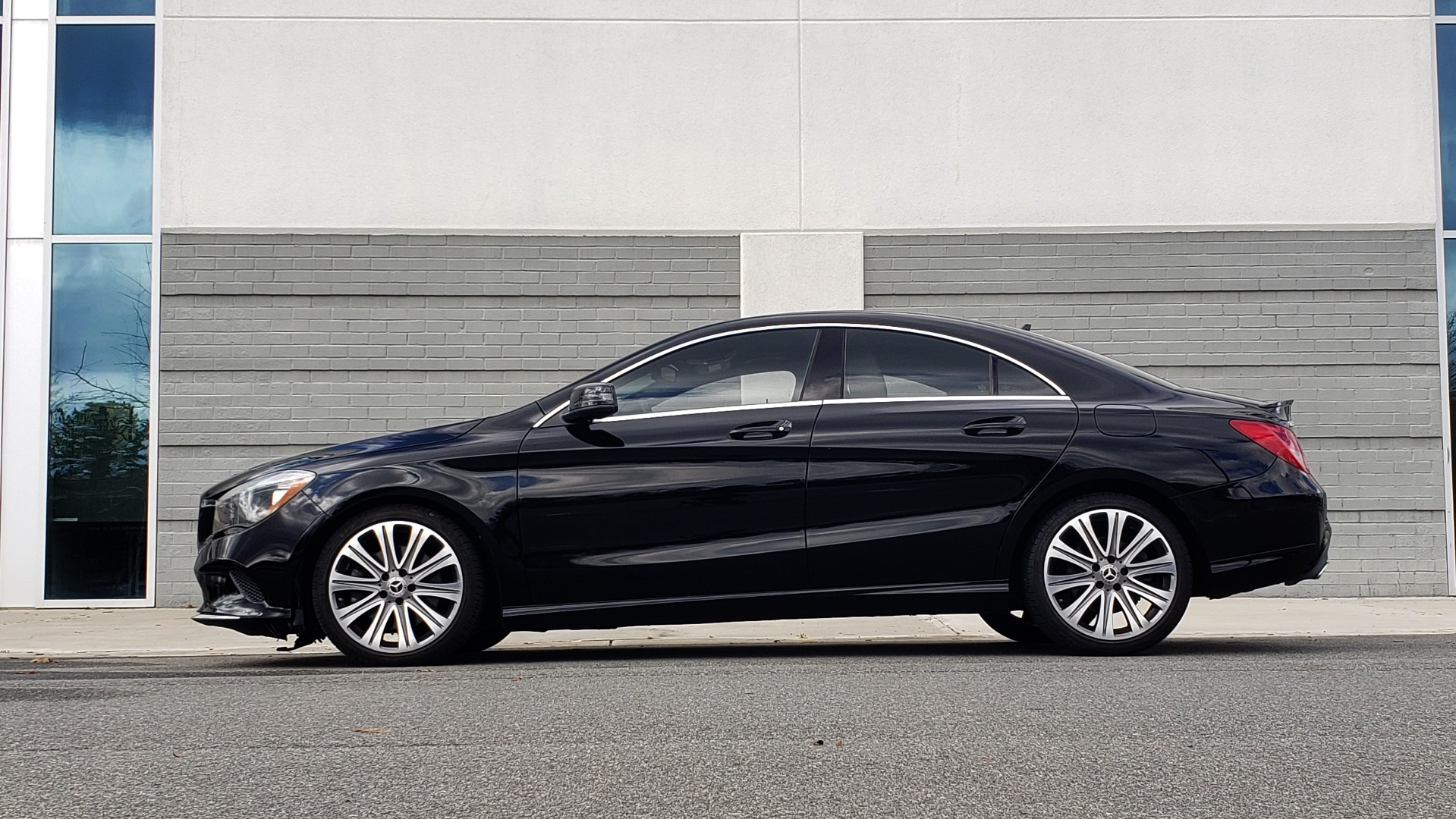 Used 2018 Mercedes-Benz CLA 250 / HEATED SEATS / BSA / APPLE CARPLAY / ANDROID AUTO / 18IN WHEEL for sale $24,195 at Formula Imports in Charlotte NC 28227 2