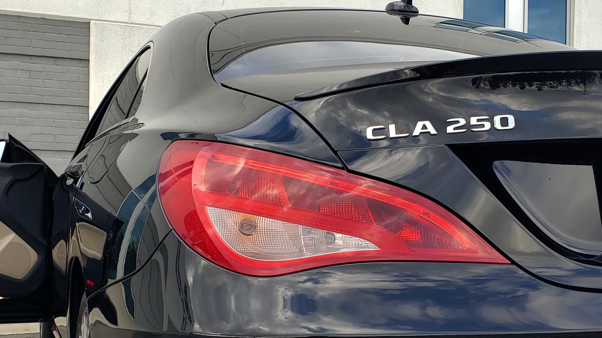 Used 2018 Mercedes-Benz CLA 250 / HEATED SEATS / BSA / APPLE CARPLAY / ANDROID AUTO / 18IN WHEEL for sale $24,195 at Formula Imports in Charlotte NC 28227 27