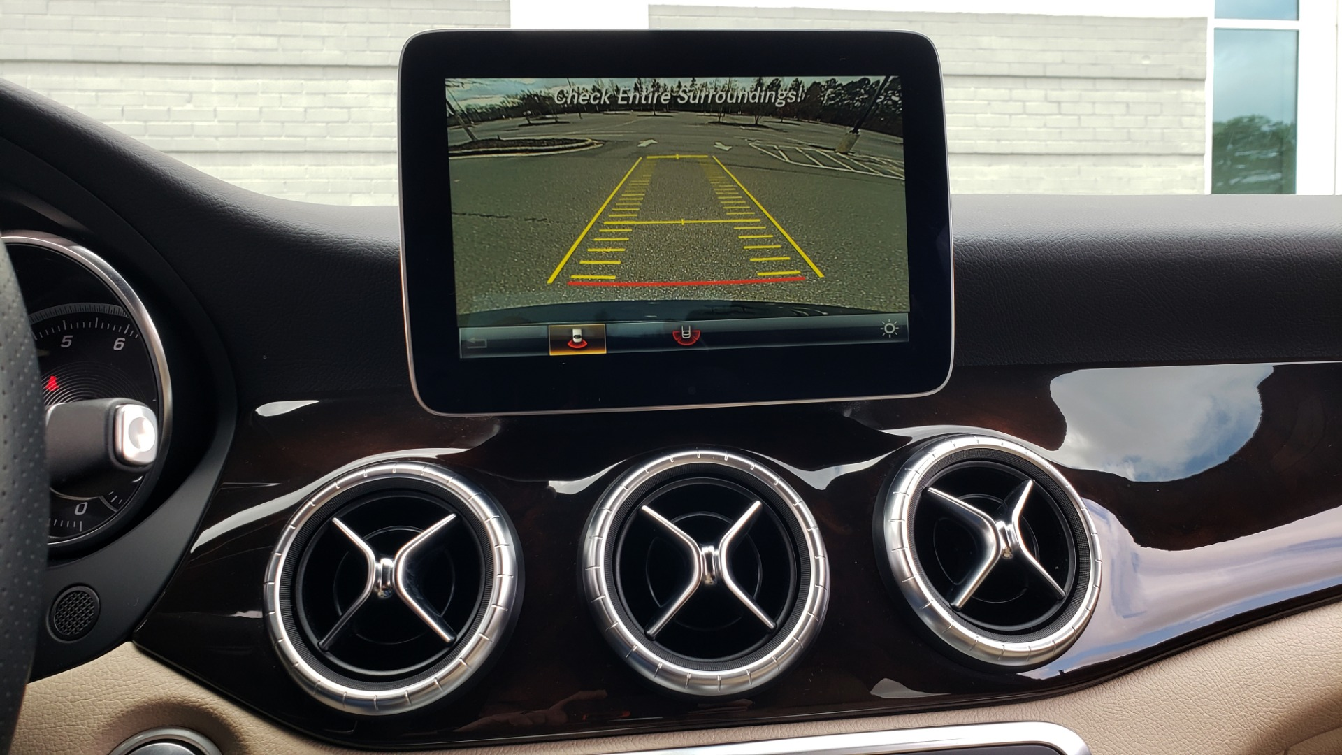 Used 2018 Mercedes-Benz CLA 250 / HEATED SEATS / BSA / APPLE CARPLAY / ANDROID AUTO / 18IN WHEEL for sale $24,195 at Formula Imports in Charlotte NC 28227 43