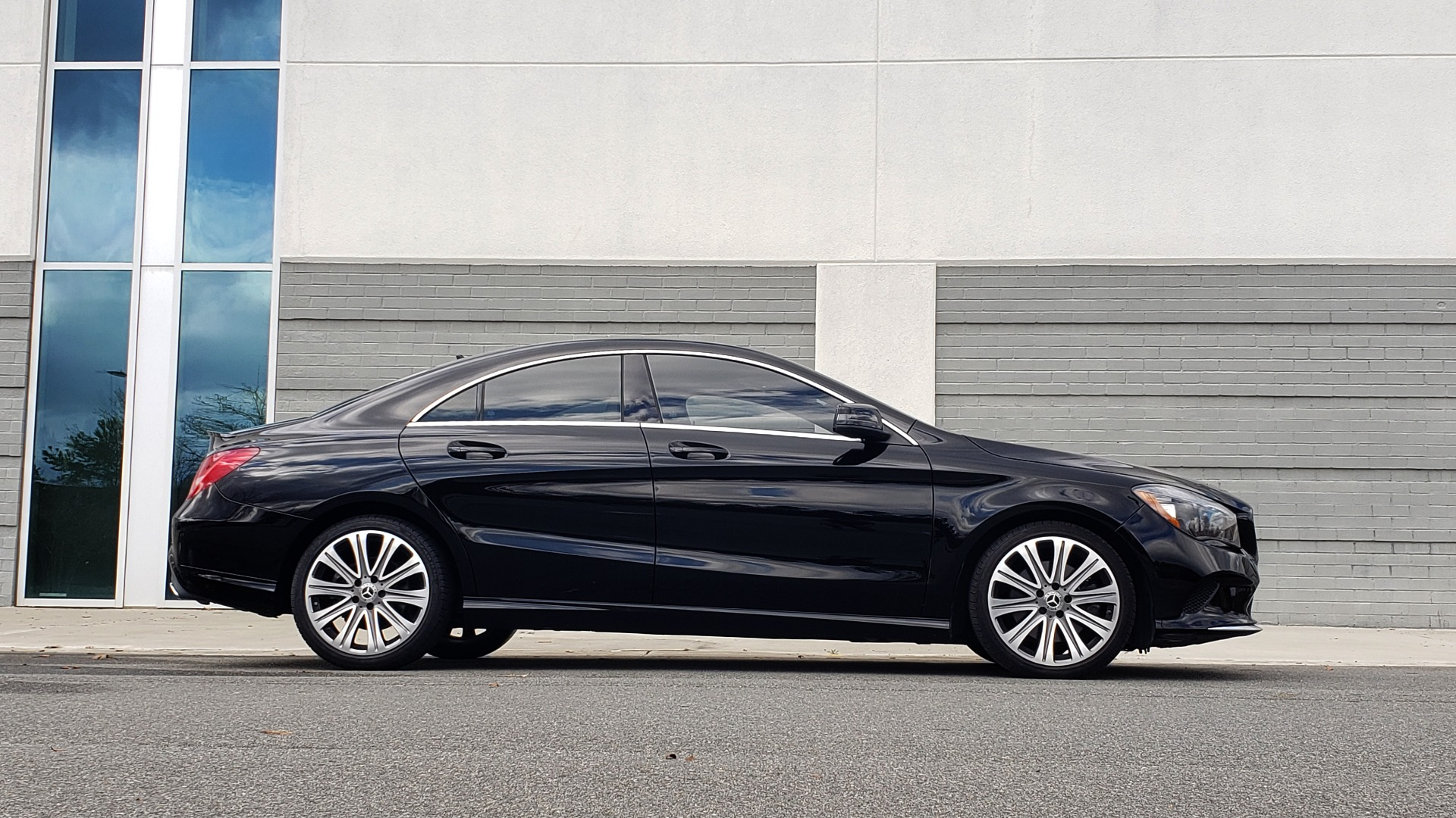 Used 2018 Mercedes-Benz CLA 250 / HEATED SEATS / BSA / APPLE CARPLAY / ANDROID AUTO / 18IN WHEEL for sale $24,195 at Formula Imports in Charlotte NC 28227 5