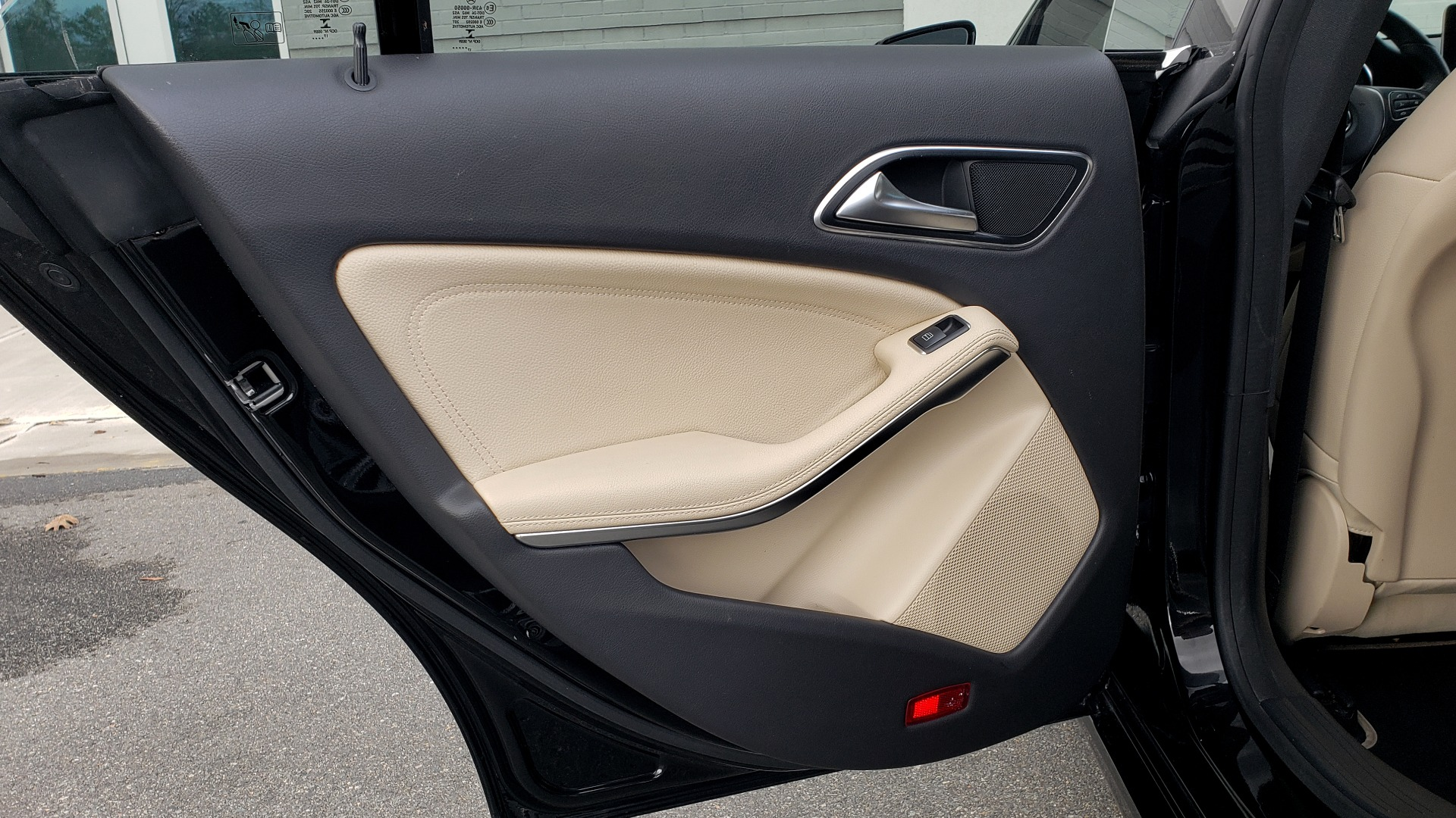 Used 2018 Mercedes-Benz CLA 250 / HEATED SEATS / BSA / APPLE CARPLAY / ANDROID AUTO / 18IN WHEEL for sale $24,195 at Formula Imports in Charlotte NC 28227 55
