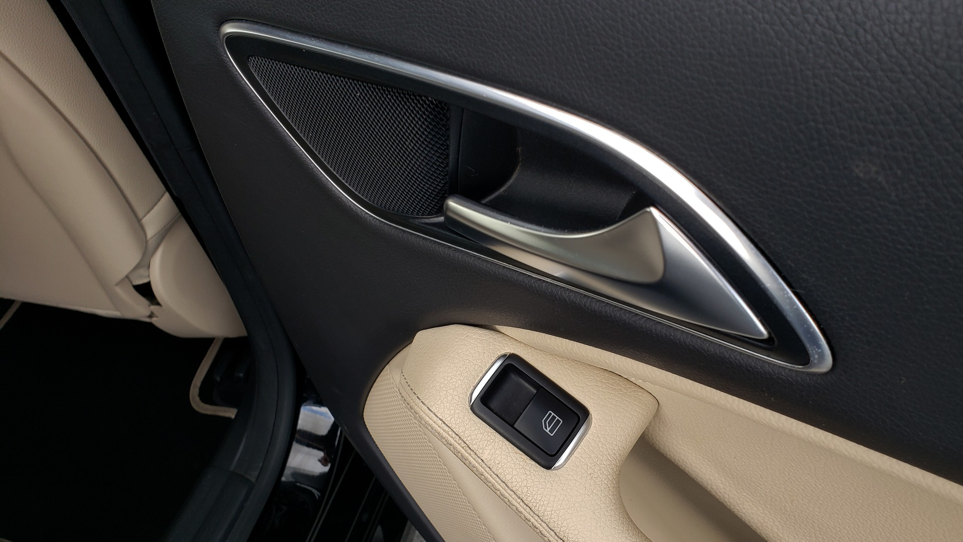Used 2018 Mercedes-Benz CLA 250 / HEATED SEATS / BSA / APPLE CARPLAY / ANDROID AUTO / 18IN WHEEL for sale $24,195 at Formula Imports in Charlotte NC 28227 67