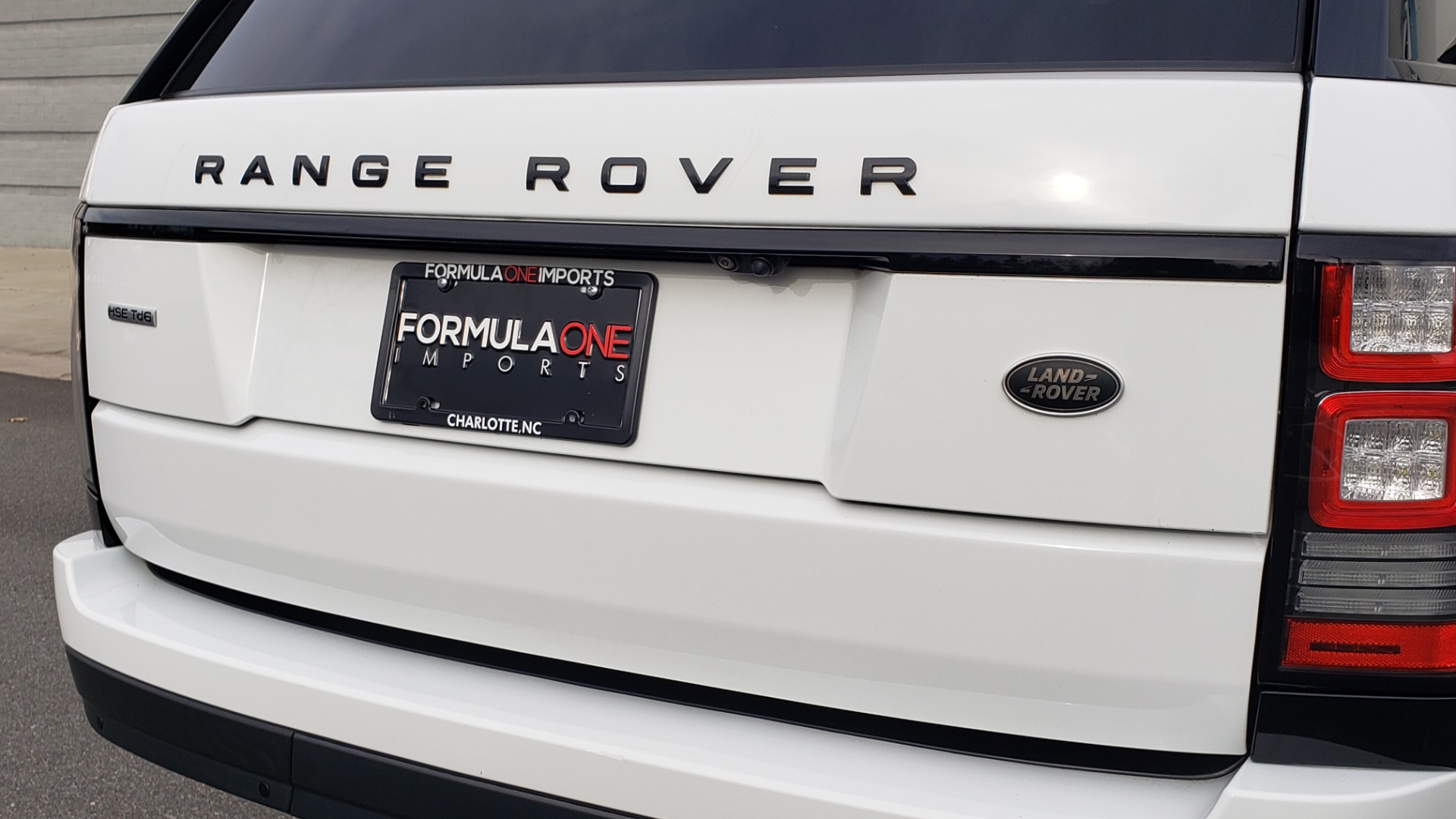 Used 2017 Land Rover RANGE ROVER HSE TD6 DIESEL / 4WD / NAV / MERIDIAN / PANO-ROOF / REARVIEW for sale $59,999 at Formula Imports in Charlotte NC 28227 29
