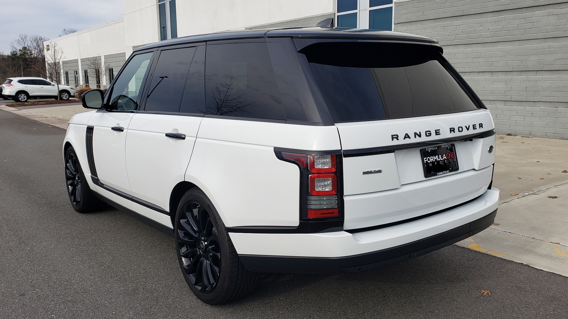 Used 2017 Land Rover RANGE ROVER HSE TD6 DIESEL / 4WD / NAV / MERIDIAN / PANO-ROOF / REARVIEW for sale Sold at Formula Imports in Charlotte NC 28227 3