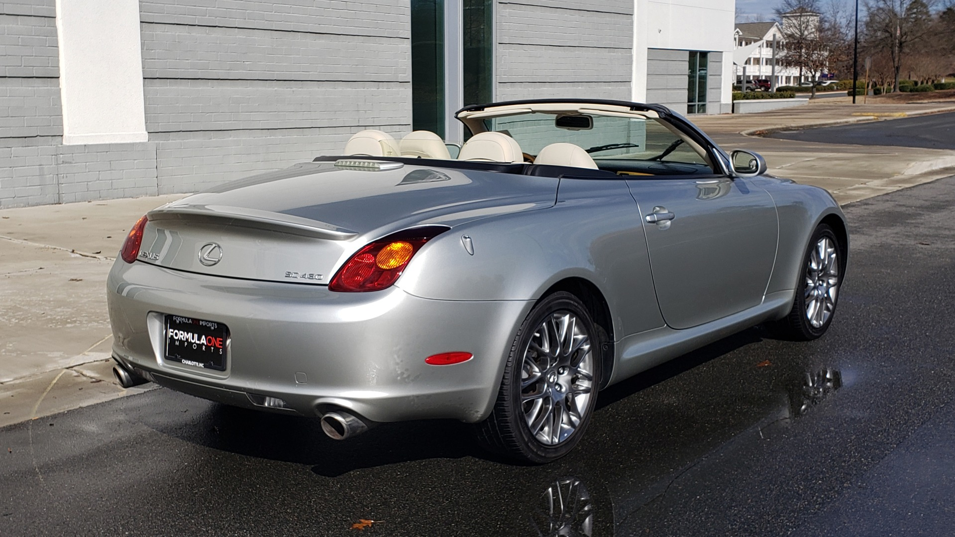Used 2004 Lexus SC 430 CONVERTIBLE / 4.3L V8 / 5-SPD AUTO / MARK LEVINSON / 18IN WHEELS for sale $14,995 at Formula Imports in Charlotte NC 28227 16