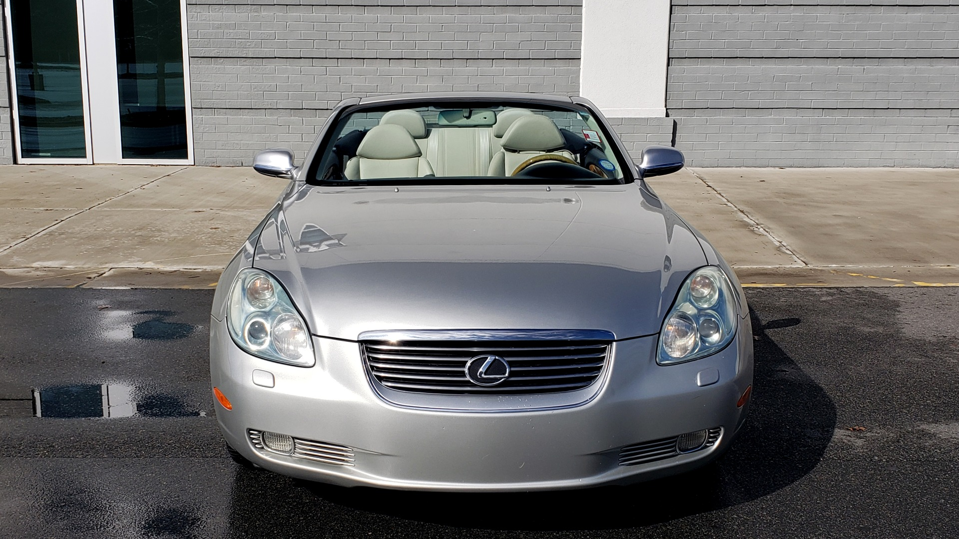 Used 2004 Lexus SC 430 CONVERTIBLE / 4.3L V8 / 5-SPD AUTO / MARK LEVINSON / 18IN WHEELS for sale $14,995 at Formula Imports in Charlotte NC 28227 27