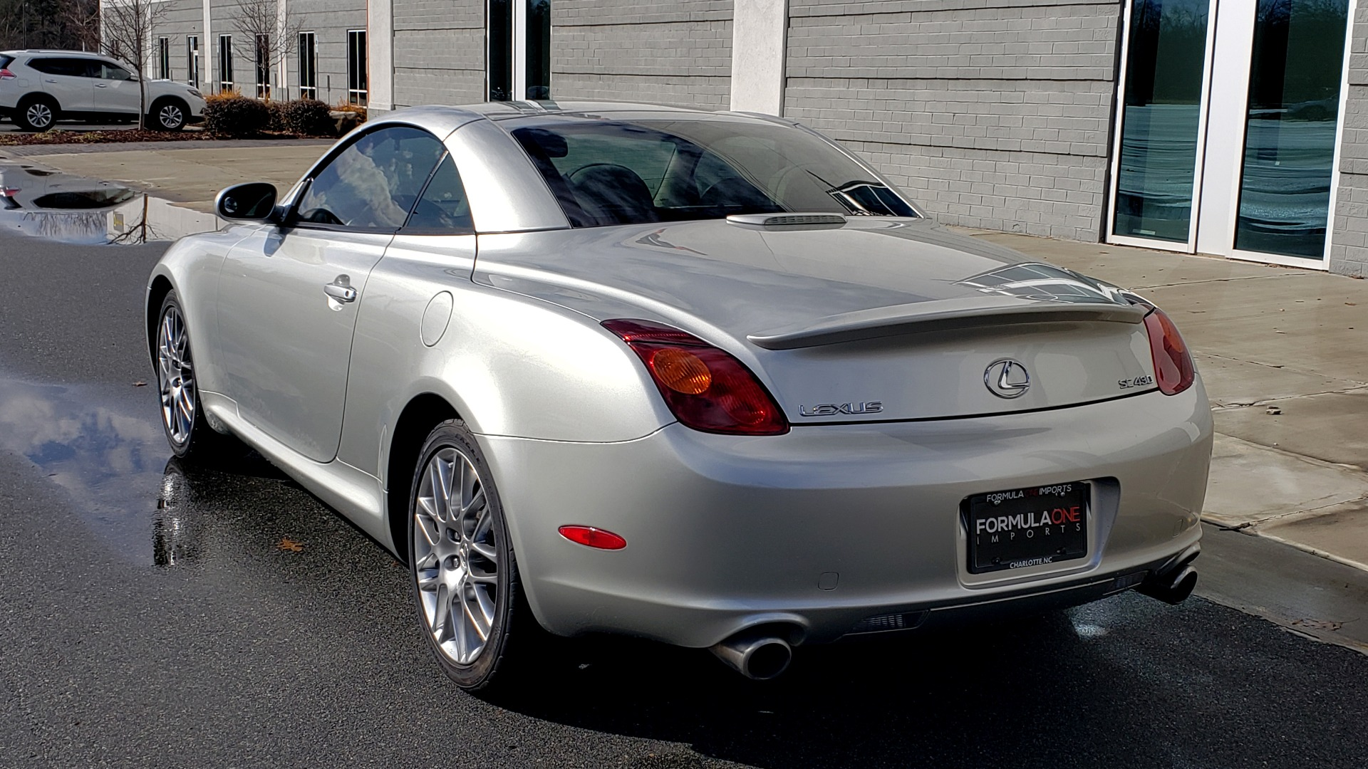 Used 2004 Lexus SC 430 CONVERTIBLE / 4.3L V8 / 5-SPD AUTO / MARK LEVINSON / 18IN WHEELS for sale $14,995 at Formula Imports in Charlotte NC 28227 4