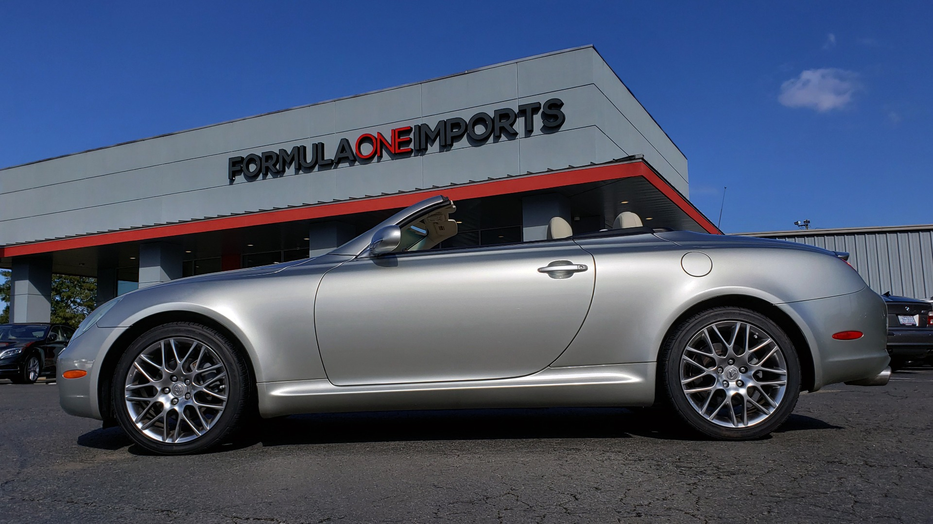 Used 2004 Lexus SC 430 CONVERTIBLE / 4.3L V8 / 5-SPD AUTO / MARK LEVINSON / 18IN WHEELS for sale Sold at Formula Imports in Charlotte NC 28227 80