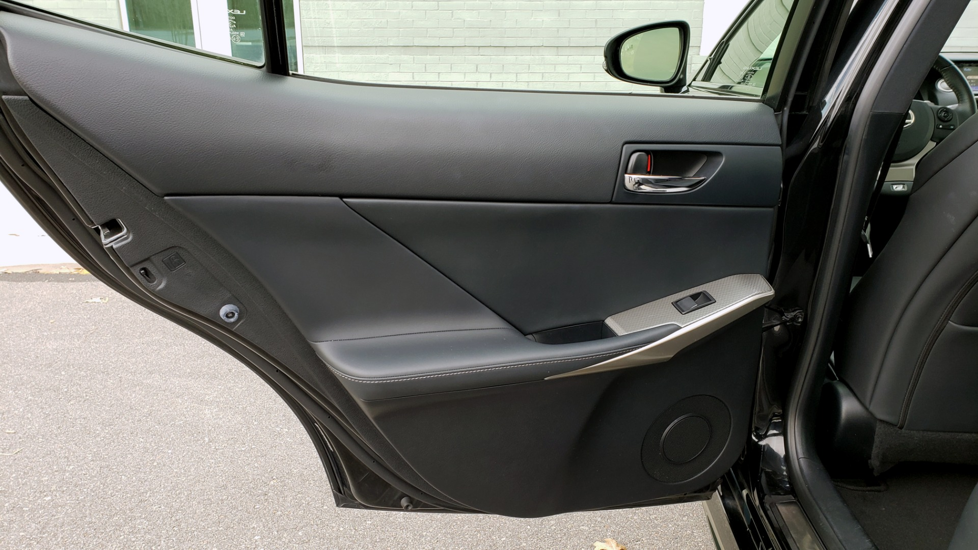 Used 2015 Lexus IS 250 F-SPORT / BLIND SPOT MON / SUNROOF / REARVIEW for sale Sold at Formula Imports in Charlotte NC 28227 58