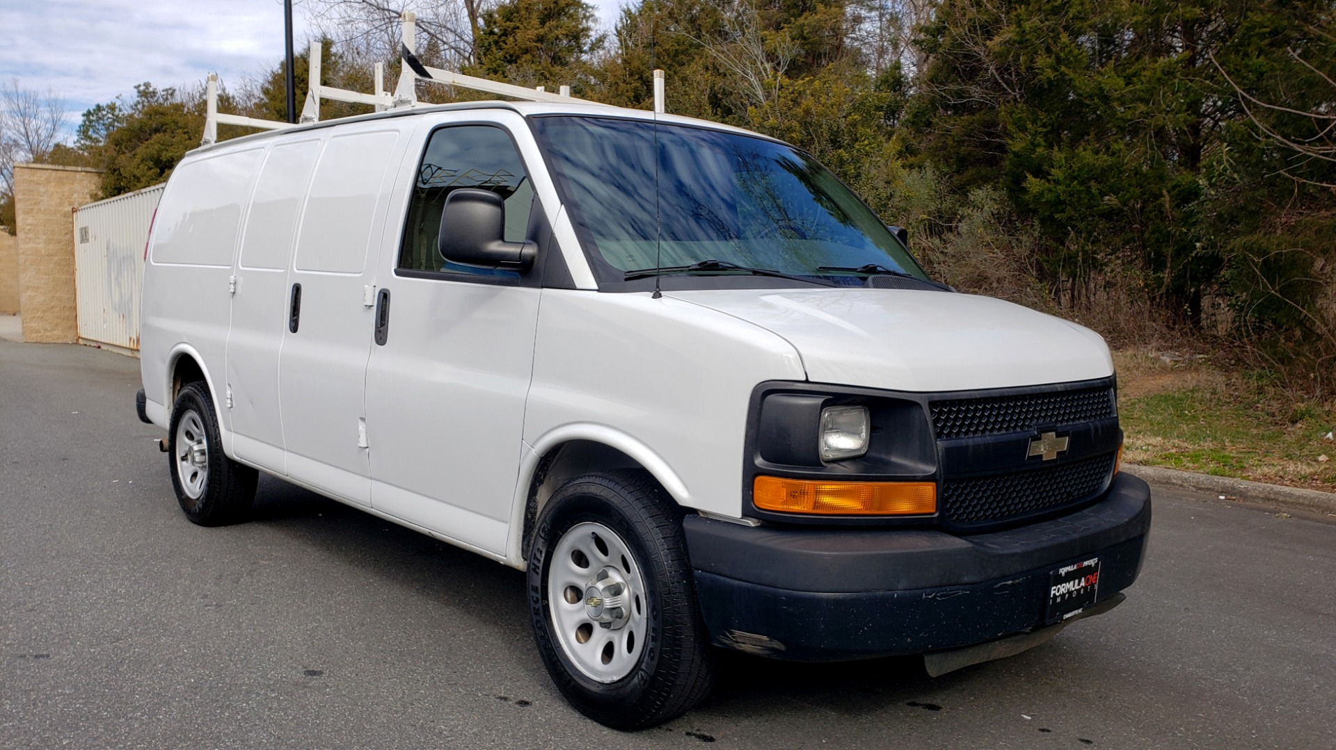 Used 2012 Chevrolet EXPRESS CARGO VAN 1500 / 135 WB / 4.3L V6 / 4-SPD AUTO / ROOF RACK for sale $10,995 at Formula Imports in Charlotte NC 28227 4