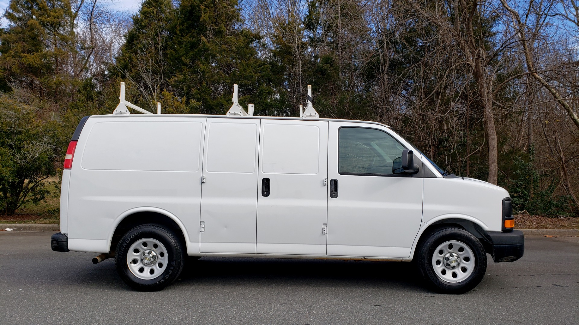Used 2012 Chevrolet EXPRESS CARGO VAN 1500 / 135 WB / 4.3L V6 / 4-SPD AUTO / ROOF RACK for sale $10,995 at Formula Imports in Charlotte NC 28227 5