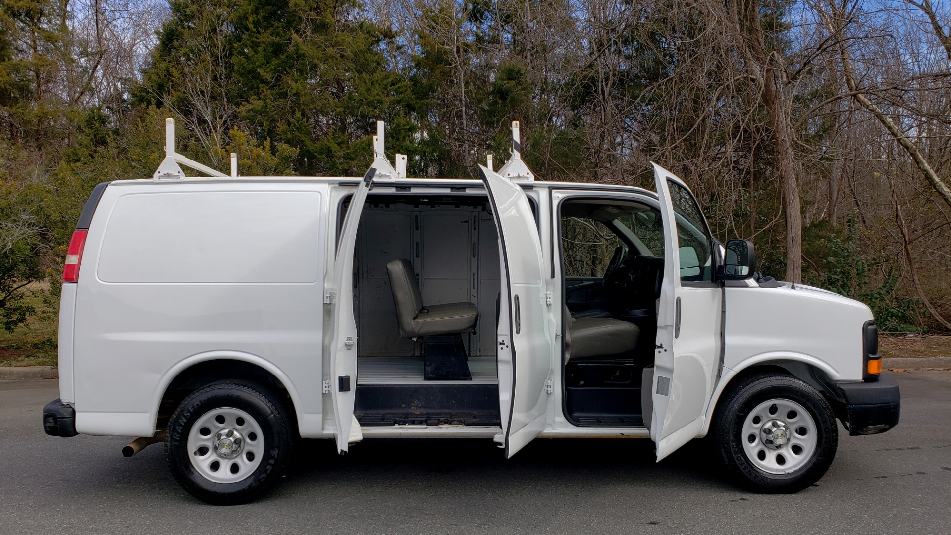 Used 2012 Chevrolet EXPRESS CARGO VAN 1500 / 135 WB / 4.3L V6 / 4-SPD AUTO / ROOF RACK for sale $10,995 at Formula Imports in Charlotte NC 28227 8