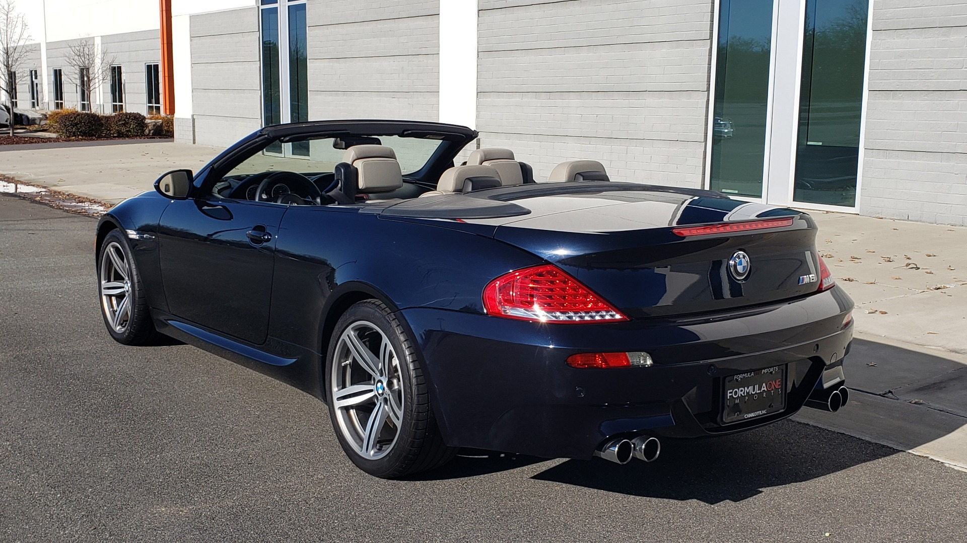 Used 2009 BMW M6 CONVERTIBLE / 5.0L V10 (500HP) / PREM SND / HUD / 19IN WHEELS for sale $24,999 at Formula Imports in Charlotte NC 28227 13