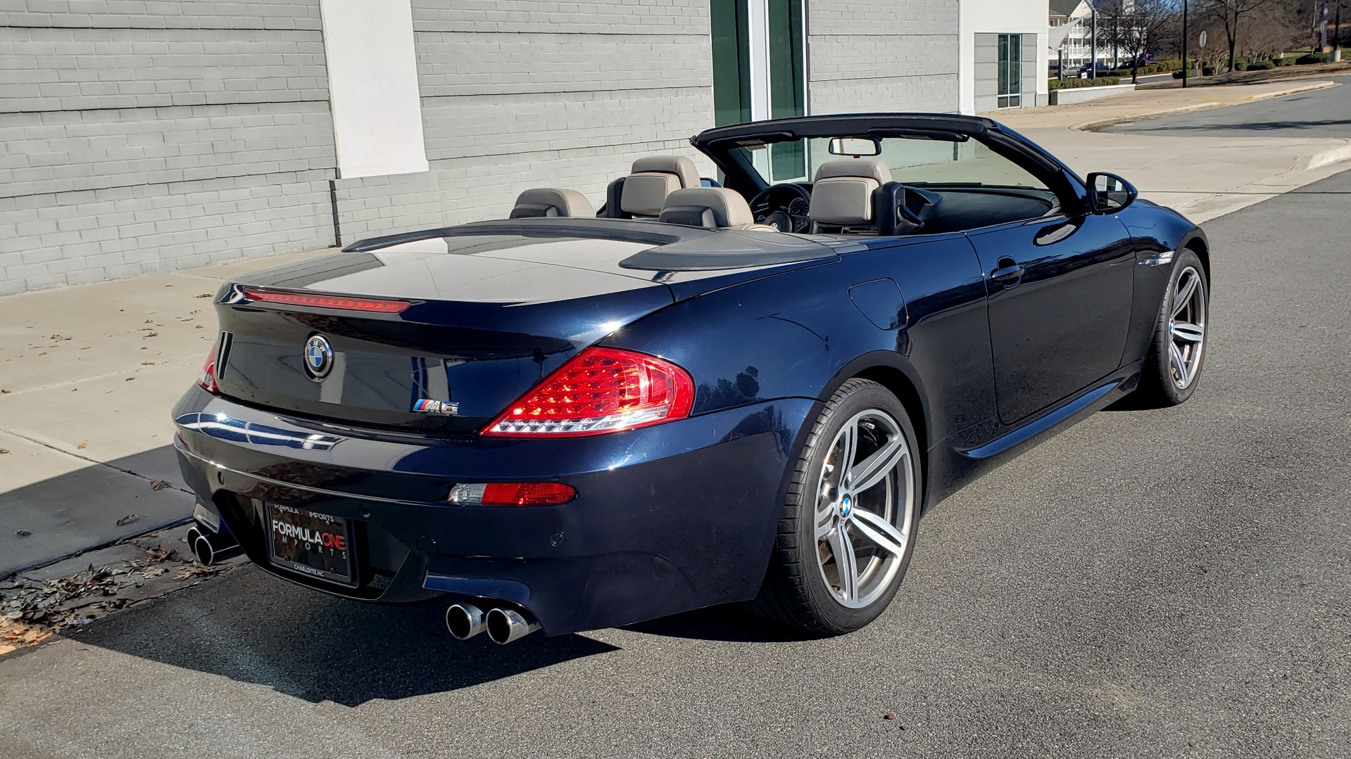 Used 2009 BMW M6 CONVERTIBLE / 5.0L V10 (500HP) / PREM SND / HUD / 19IN WHEELS for sale $24,999 at Formula Imports in Charlotte NC 28227 5