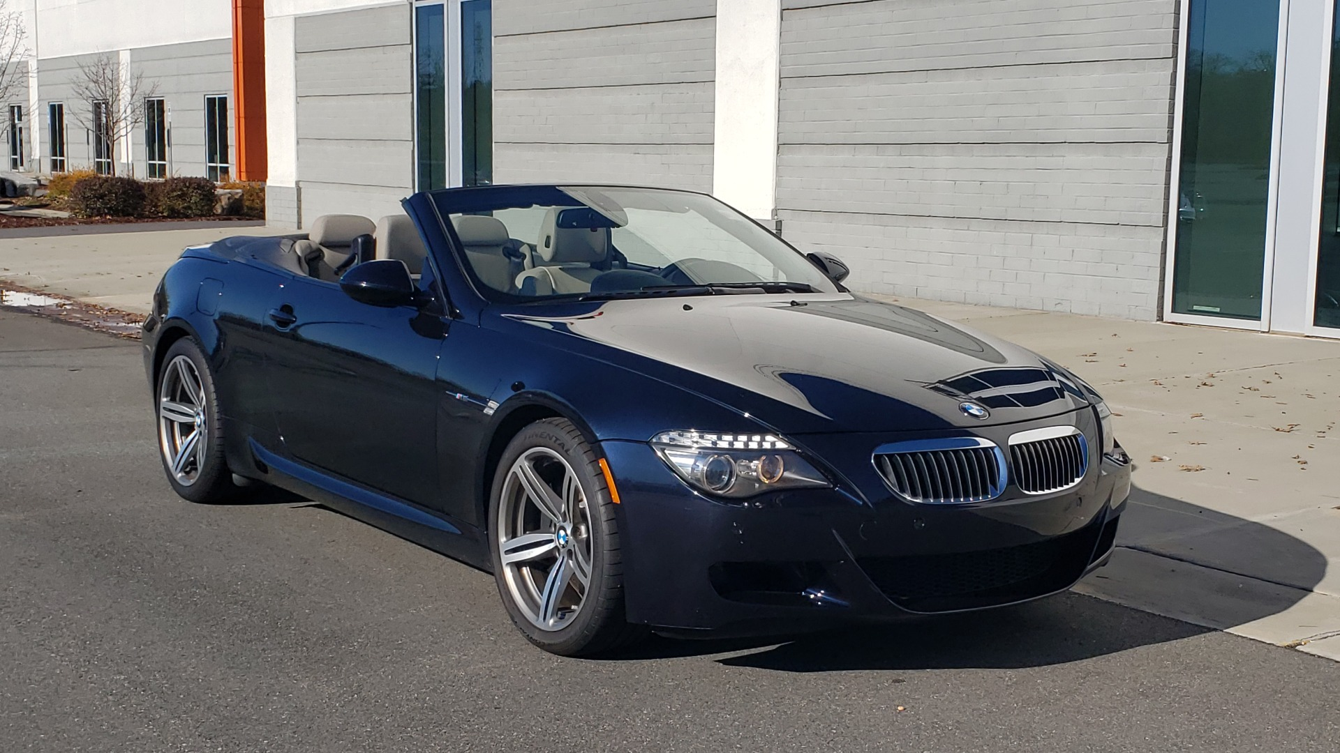 Used 2009 BMW M6 CONVERTIBLE / 5.0L V10 (500HP) / PREM SND / HUD / 19IN WHEELS for sale $24,999 at Formula Imports in Charlotte NC 28227 9